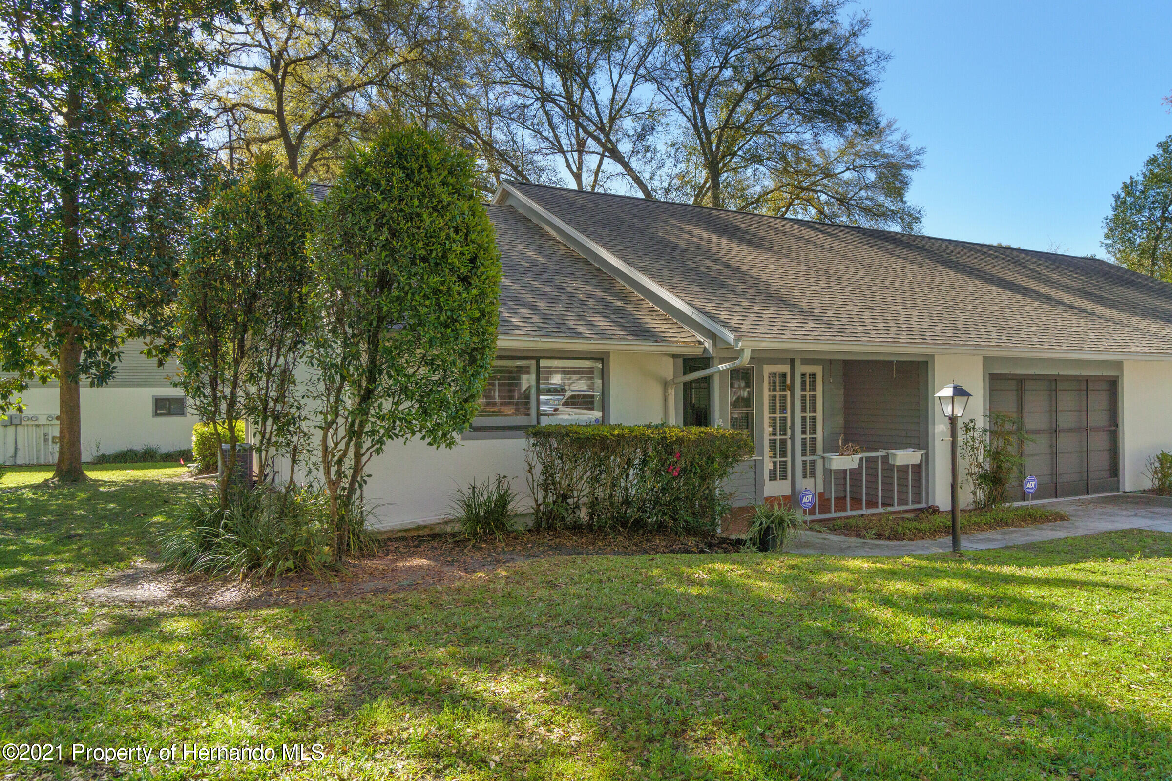 Listing photo id 31 for 657 W Wild Pine Circle