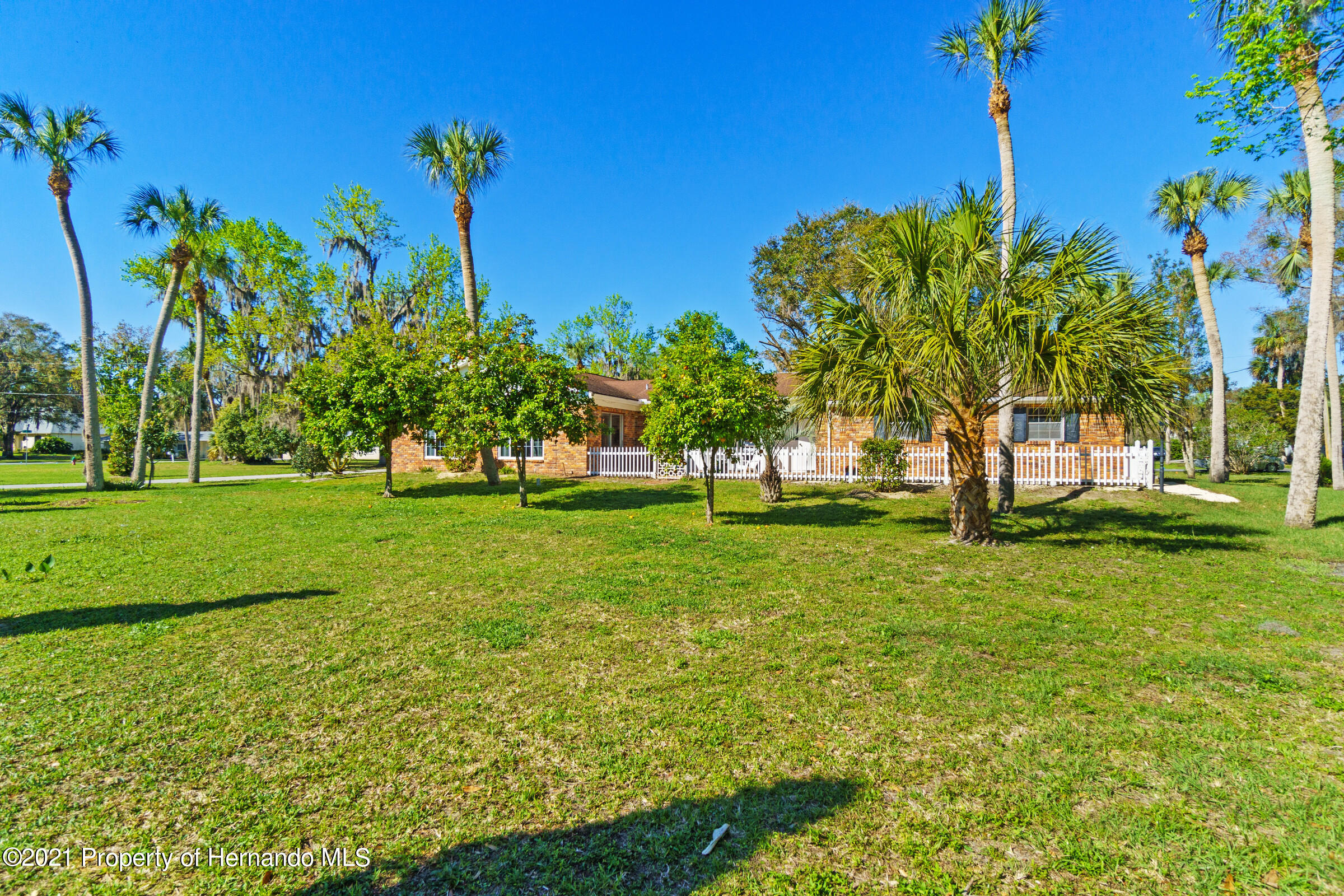 Listing photo id 13 for 520 Nw 7th Avenue
