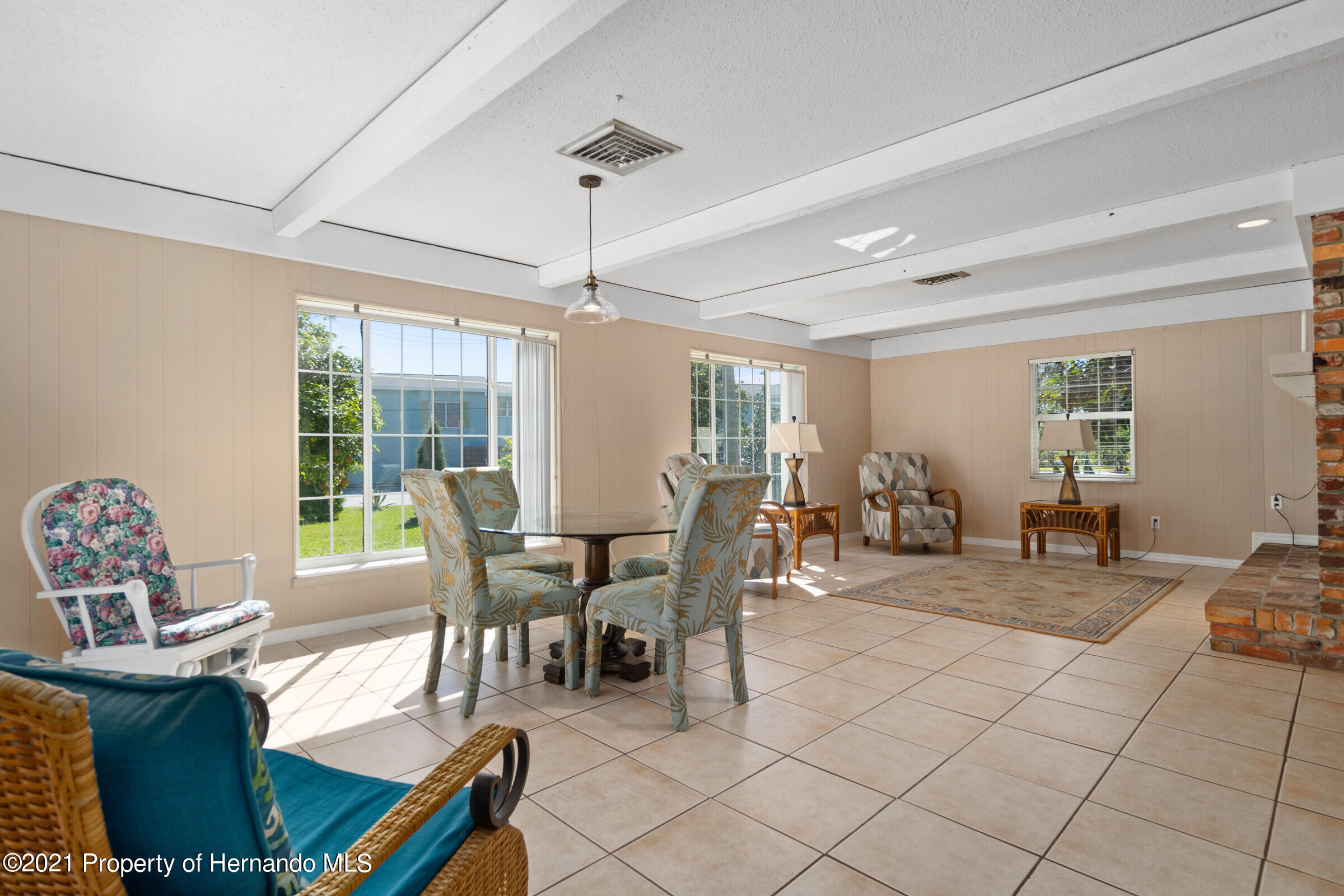 Listing photo id 25 for 520 Nw 7th Avenue