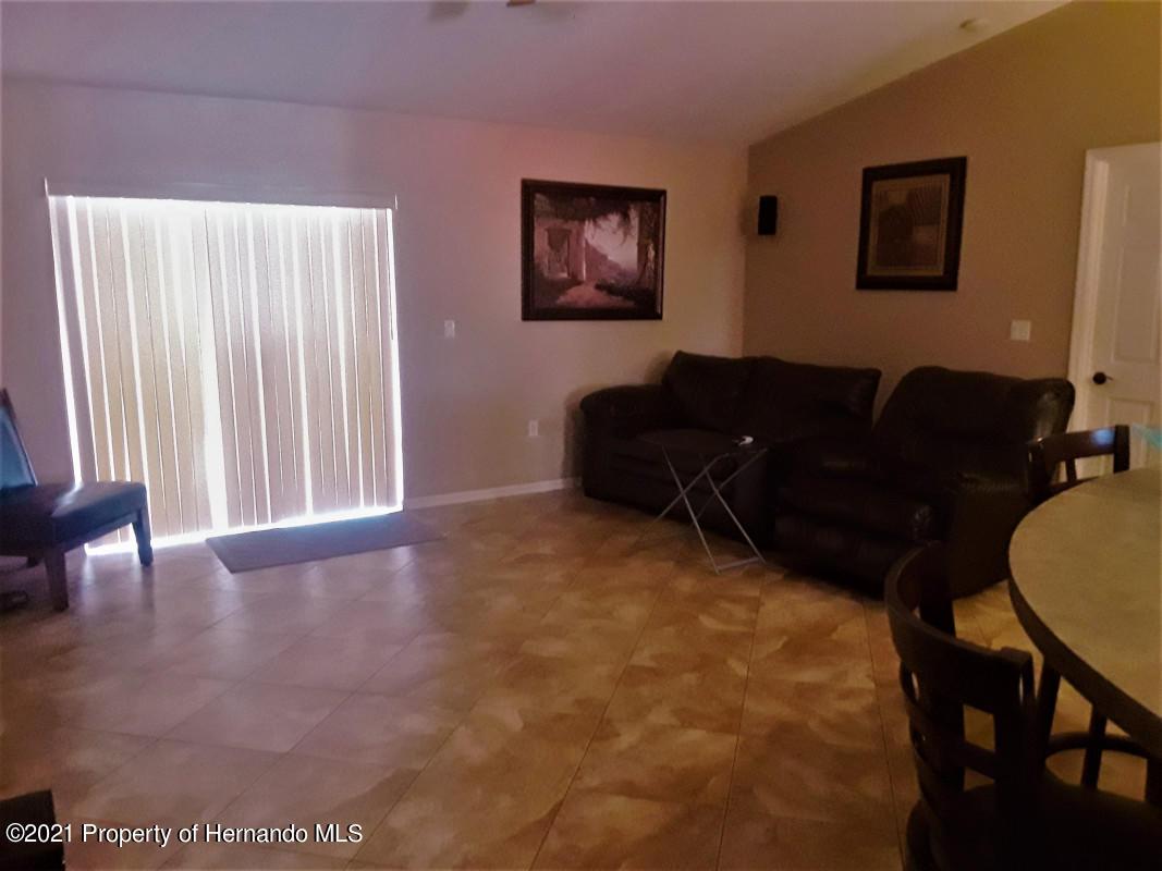Image 5 For 13404 White Plains Street