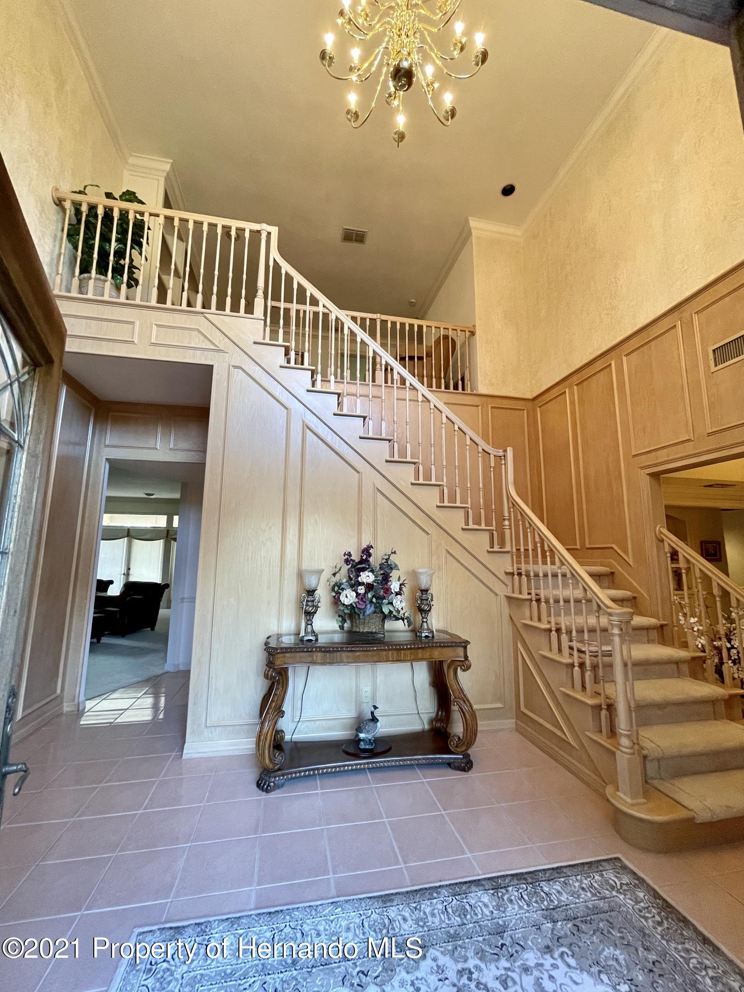 Listing photo id 4 for 6109 Waters Way