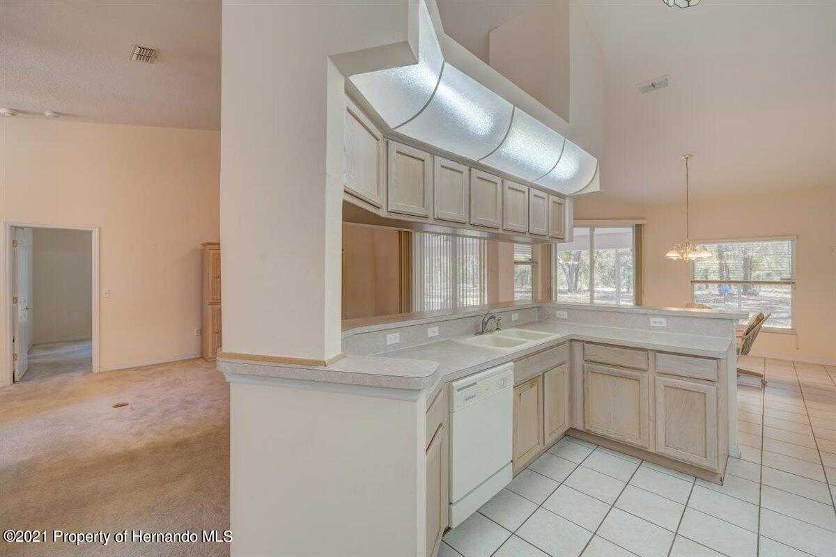 Listing photo id 24 for 12553 S Florida Avenue