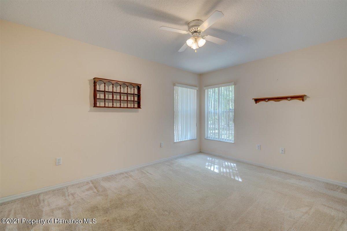 Listing photo id 36 for 12553 S Florida Avenue