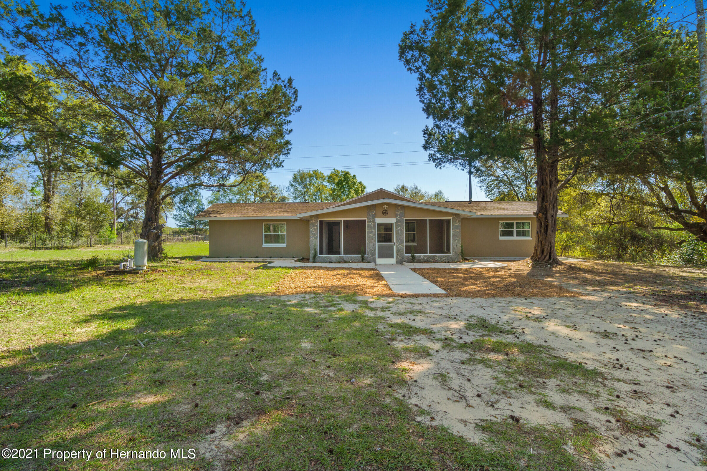 Listing photo id 2 for 11961 S. Oakview Ave. Avenue