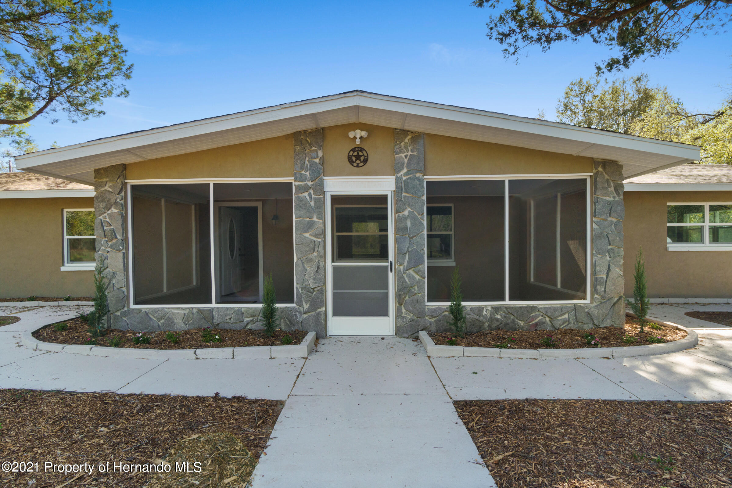 Listing photo id 5 for 11961 S. Oakview Ave. Avenue