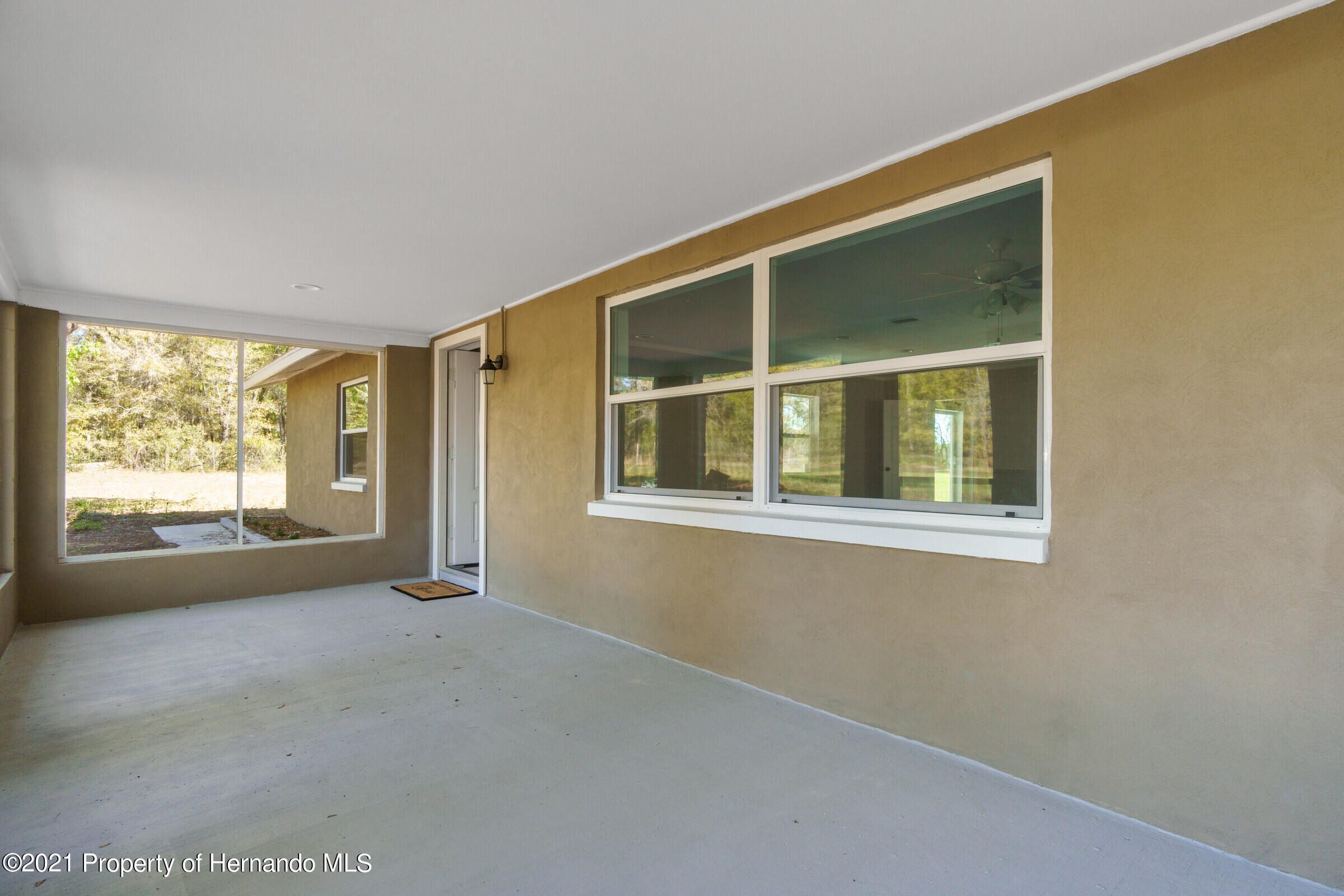 Listing photo id 6 for 11961 S. Oakview Ave. Avenue