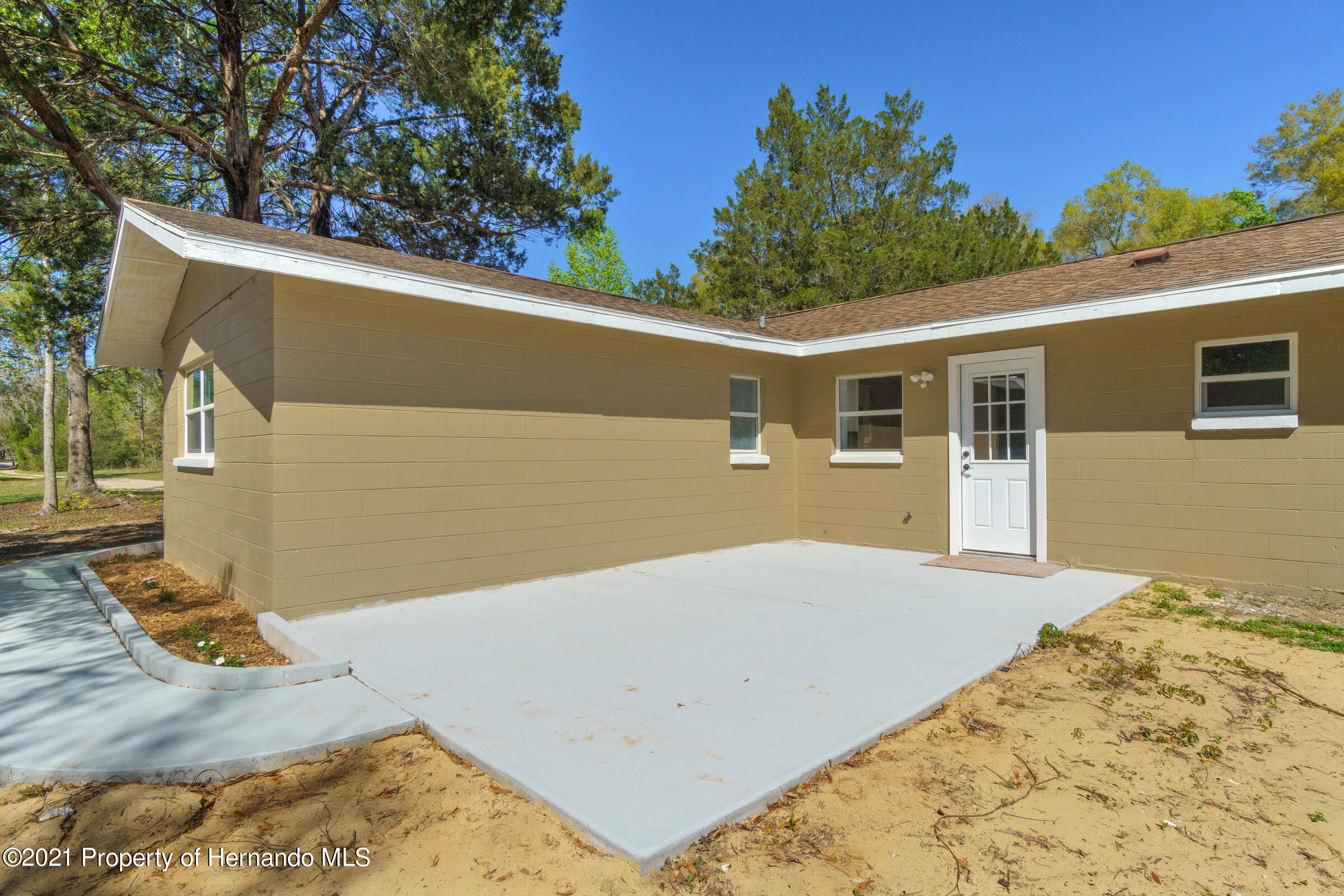 Listing photo id 34 for 11961 S. Oakview Ave. Avenue
