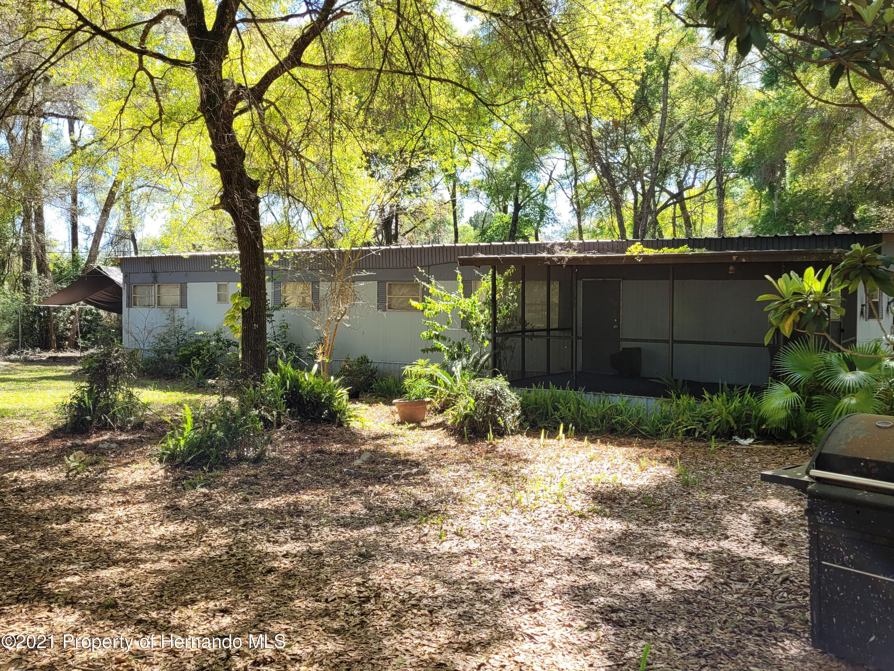 Listing photo id 5 for 17823 Caufield Road