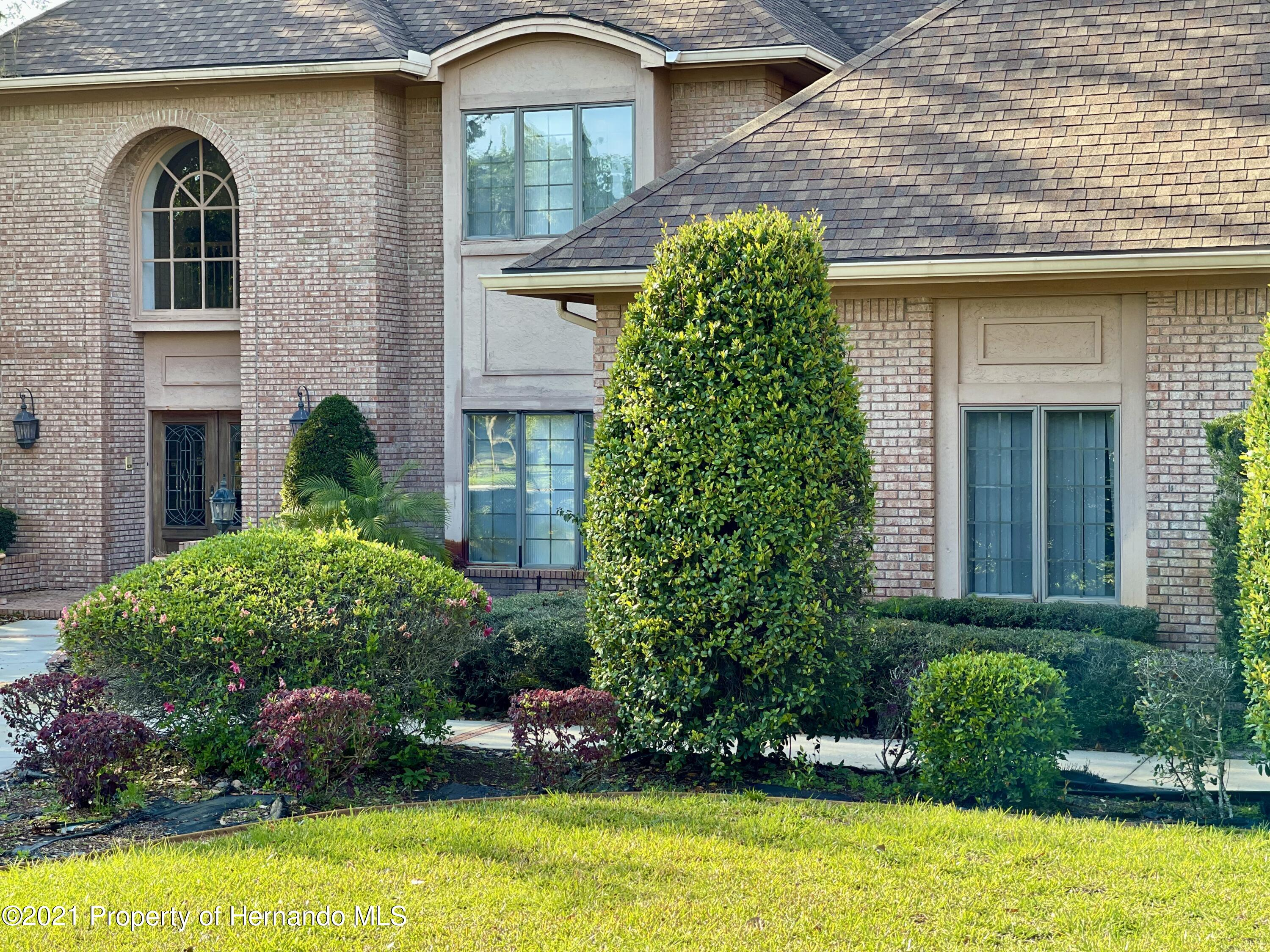 Listing photo id 34 for 6109 Waters Way