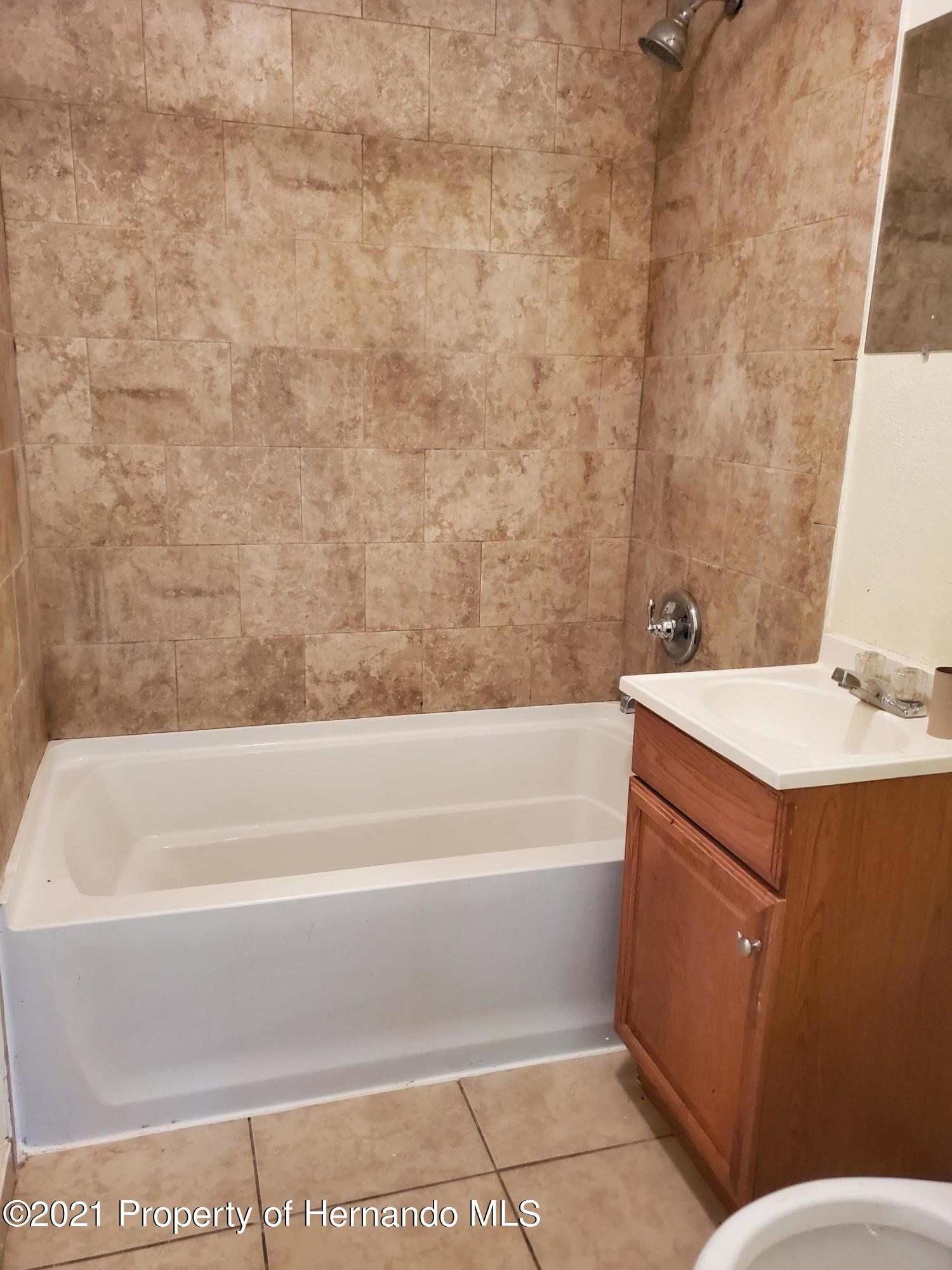 Listing photo id 5 for 21382 Truby Road
