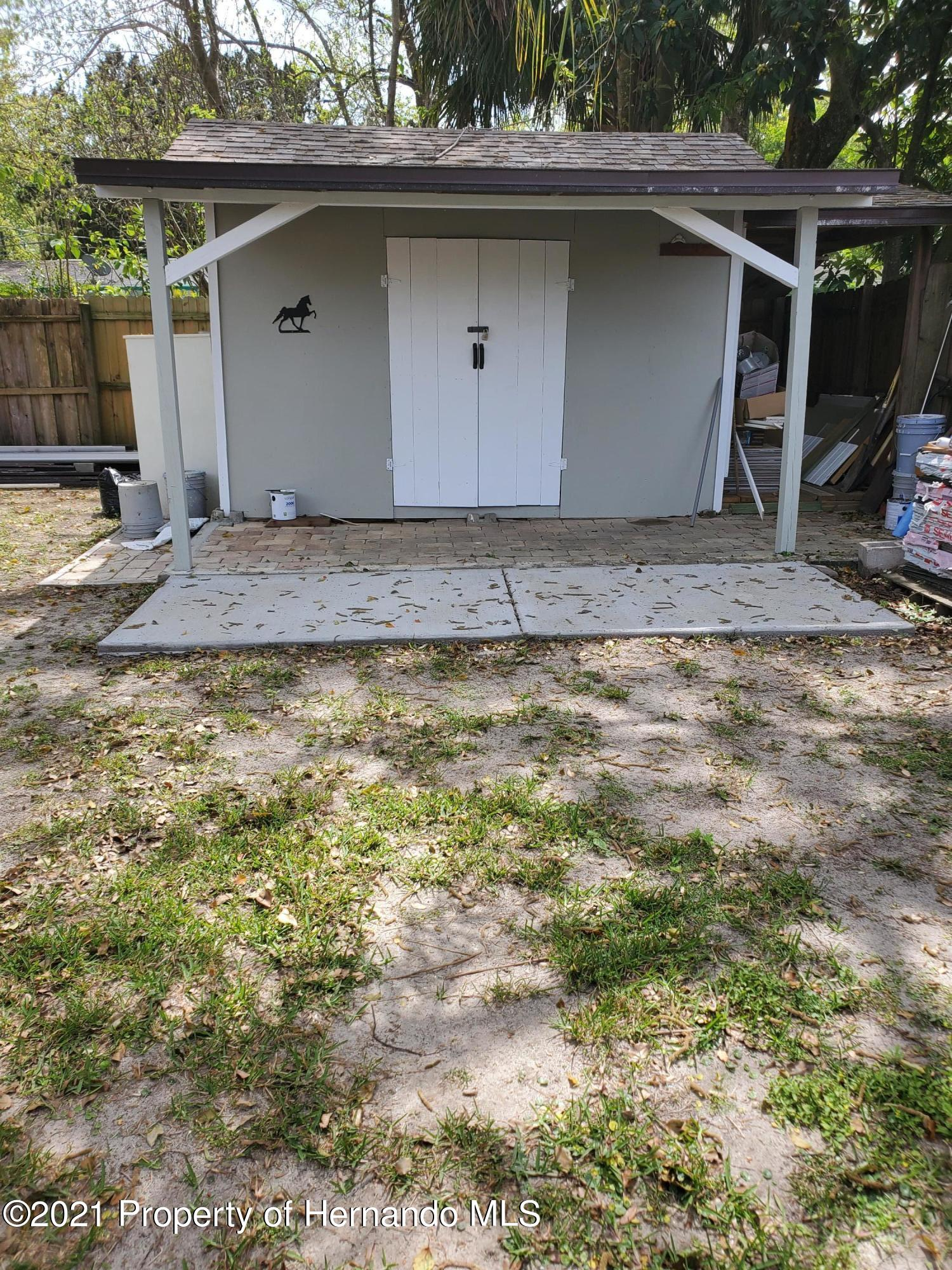 Listing photo id 4 for 21382 Truby Road