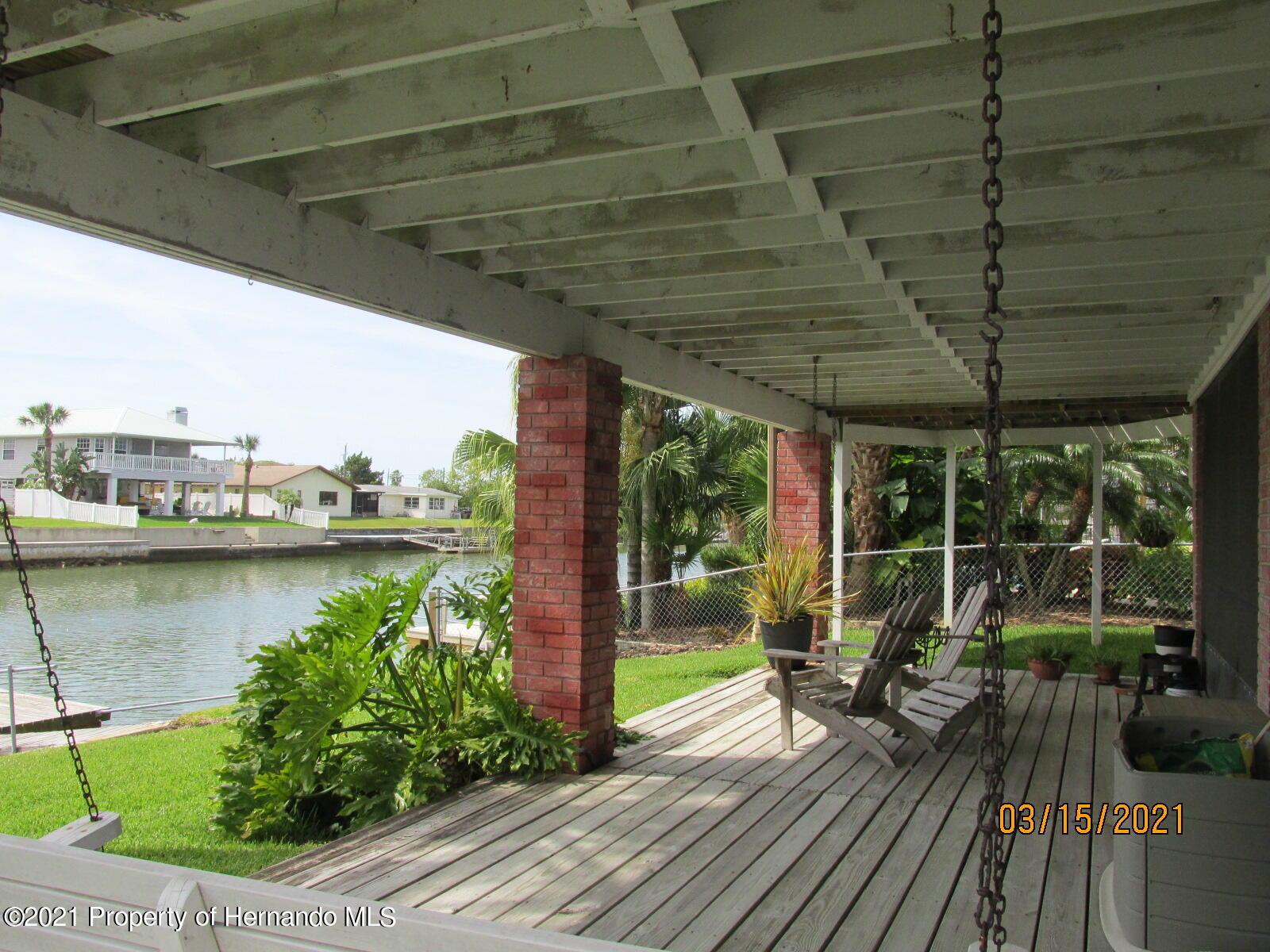 Listing photo id 46 for 4070 Gulf Coast Drive