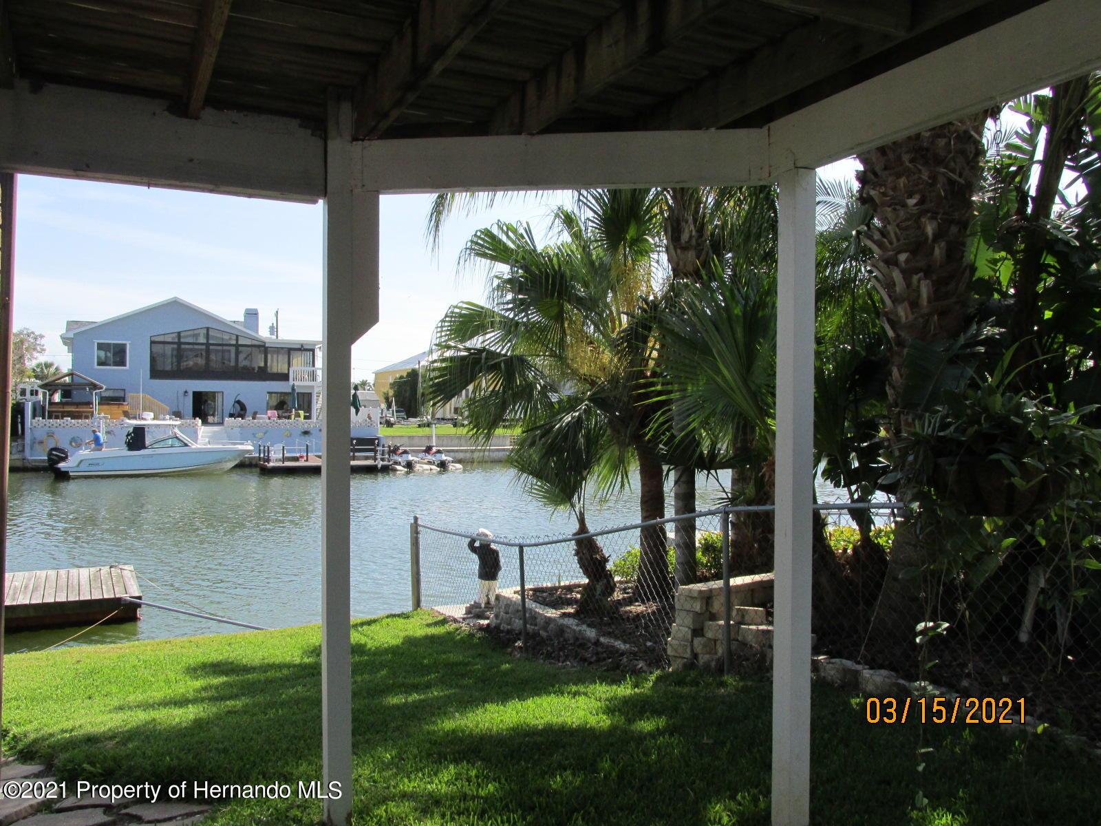 Listing photo id 52 for 4070 Gulf Coast Drive
