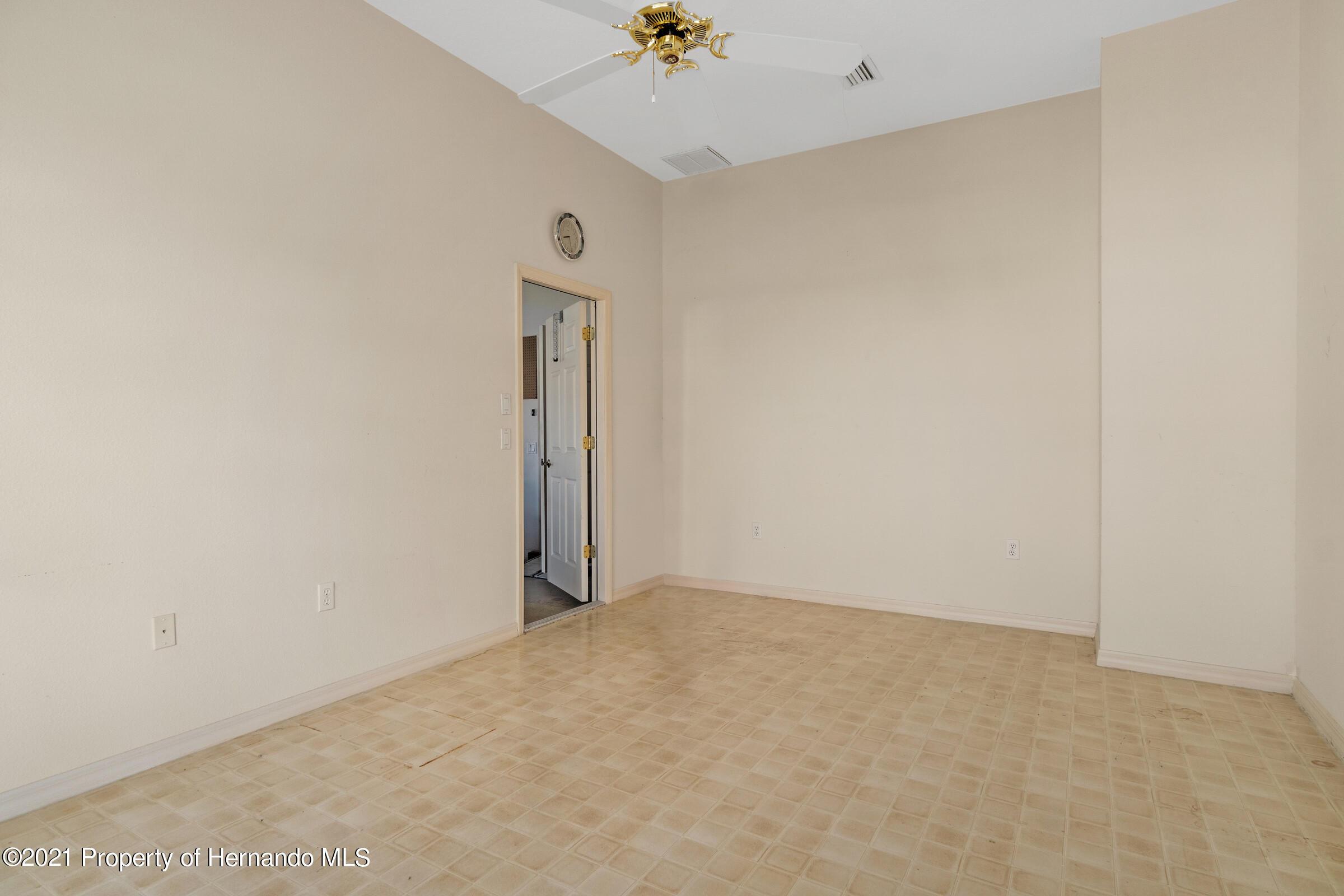 Image 32 For 10040 Twelve Oaks Court