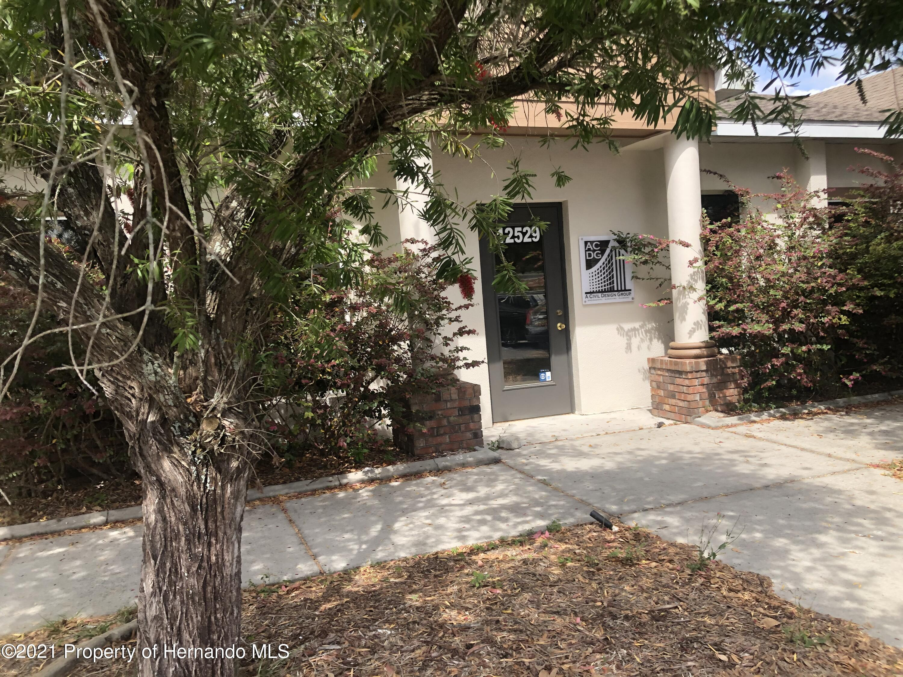 Image 6 For 12525 Spring Hill Drive