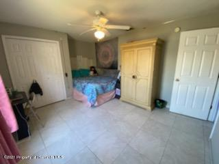 Listing photo id 13 for 2425 Hawthorne Road