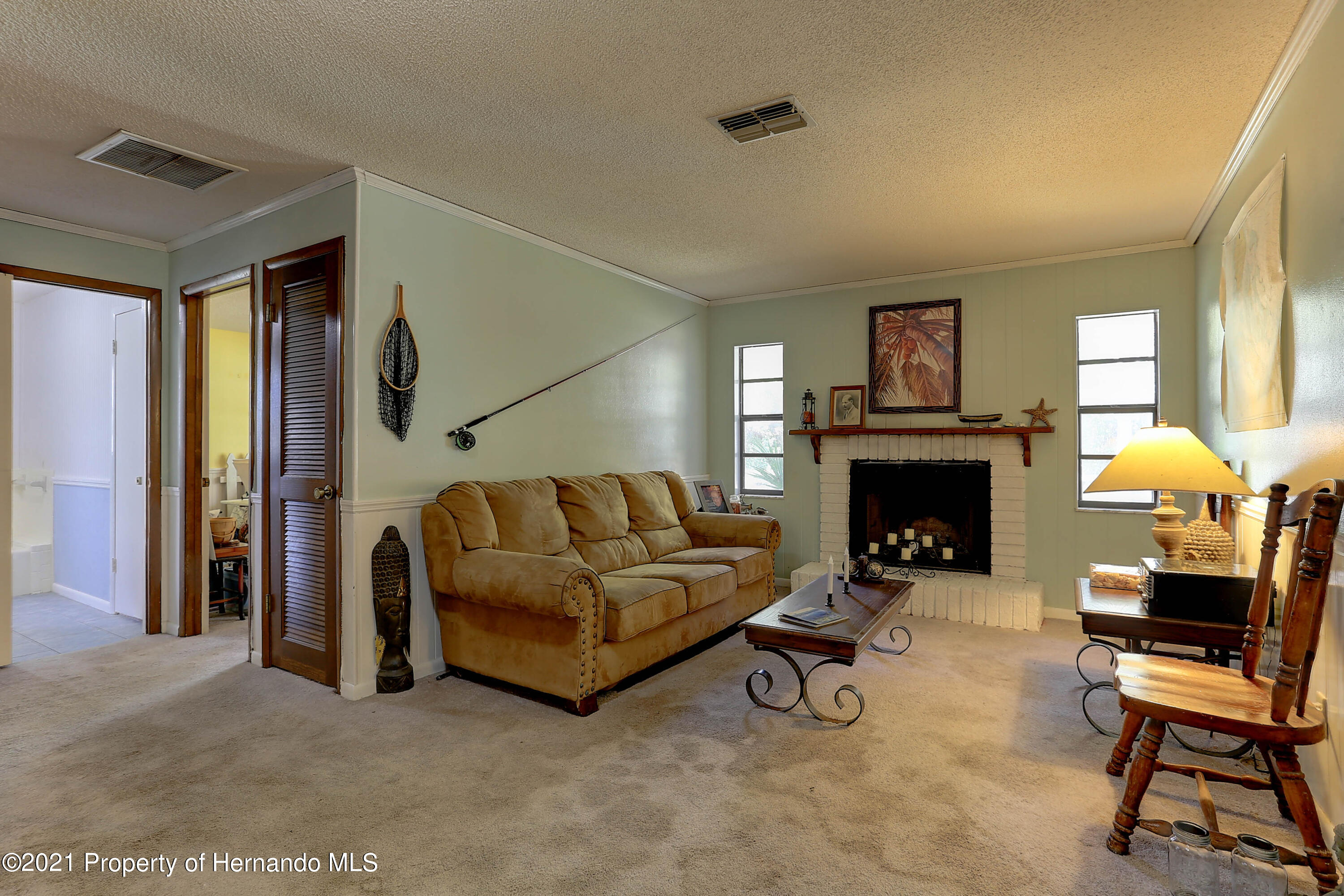 Listing photo id 16 for 20 Holly Court