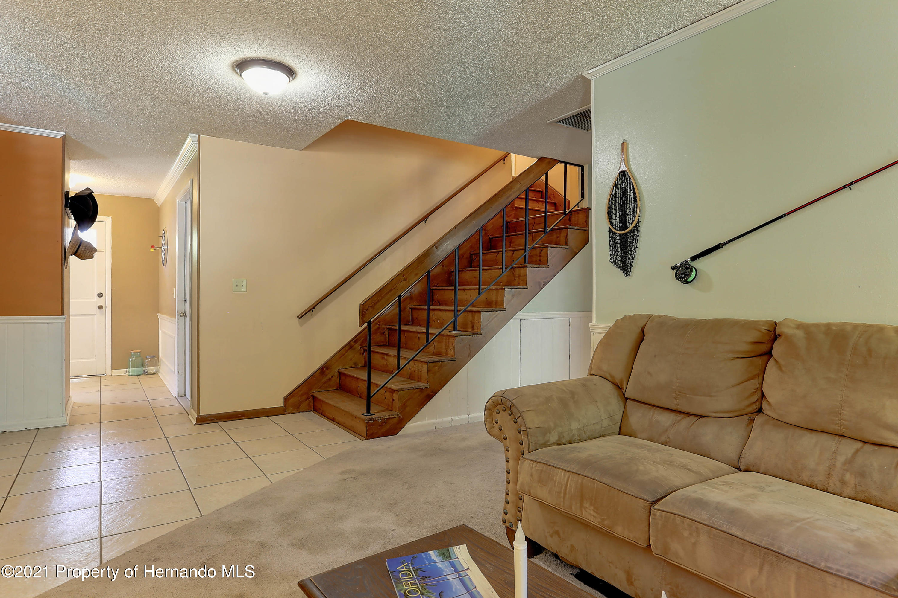 Listing photo id 18 for 20 Holly Court