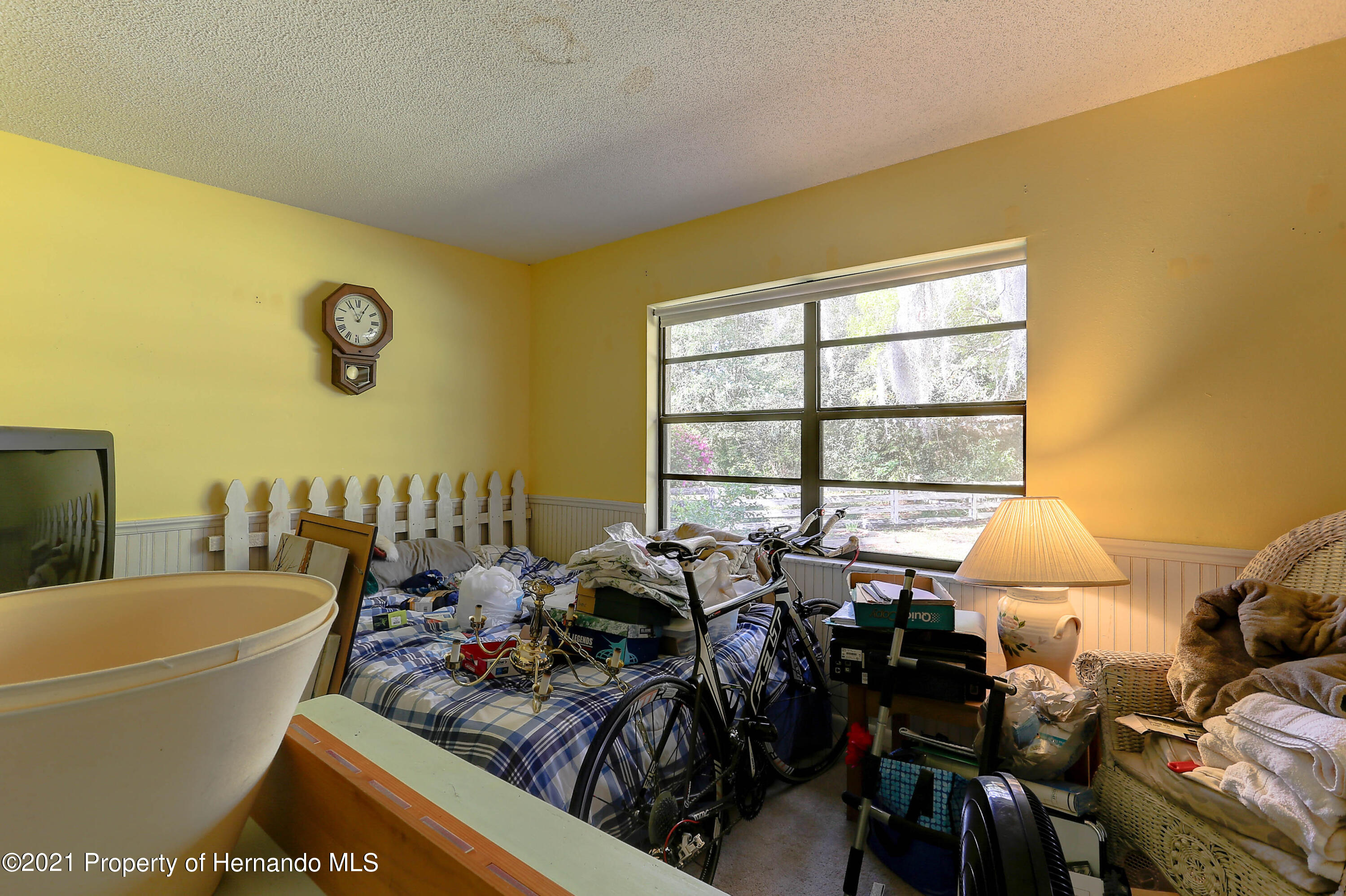 Listing photo id 22 for 20 Holly Court