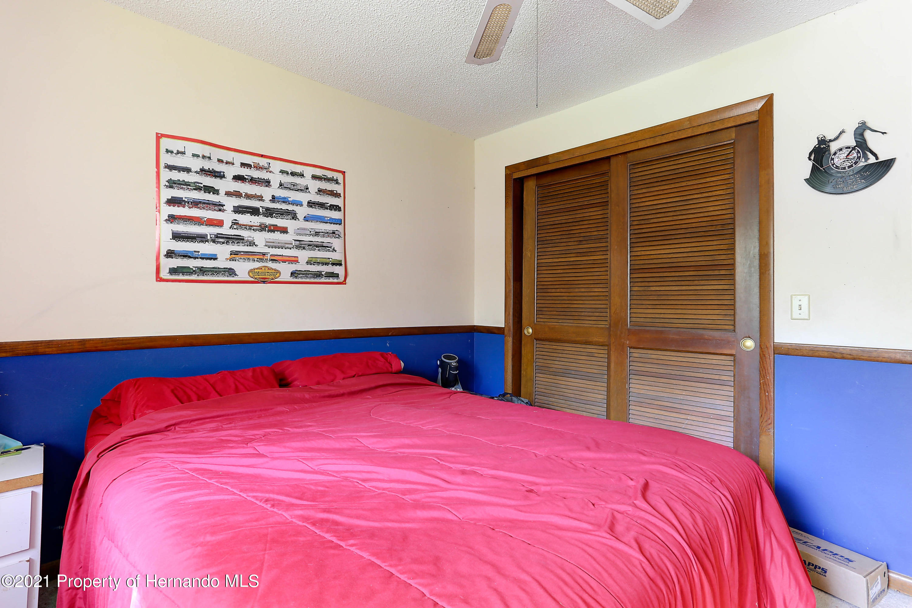 Listing photo id 26 for 20 Holly Court