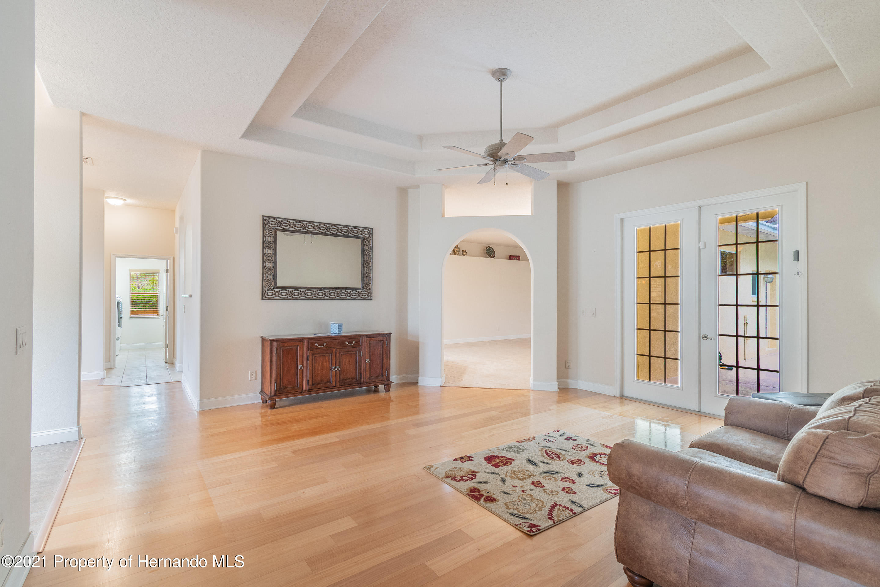 Listing photo id 7 for 23 Carnation Court