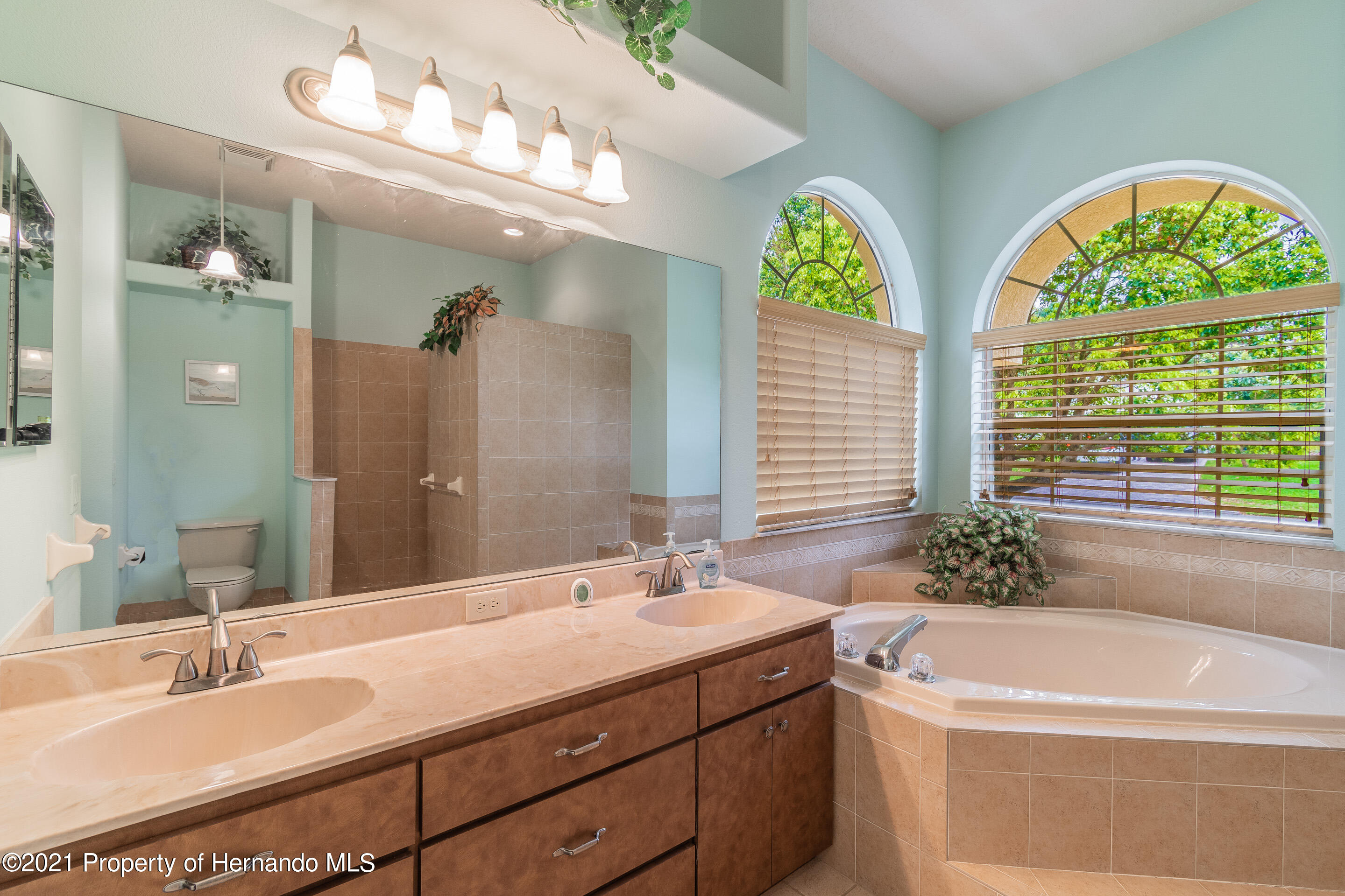 Listing photo id 14 for 23 Carnation Court