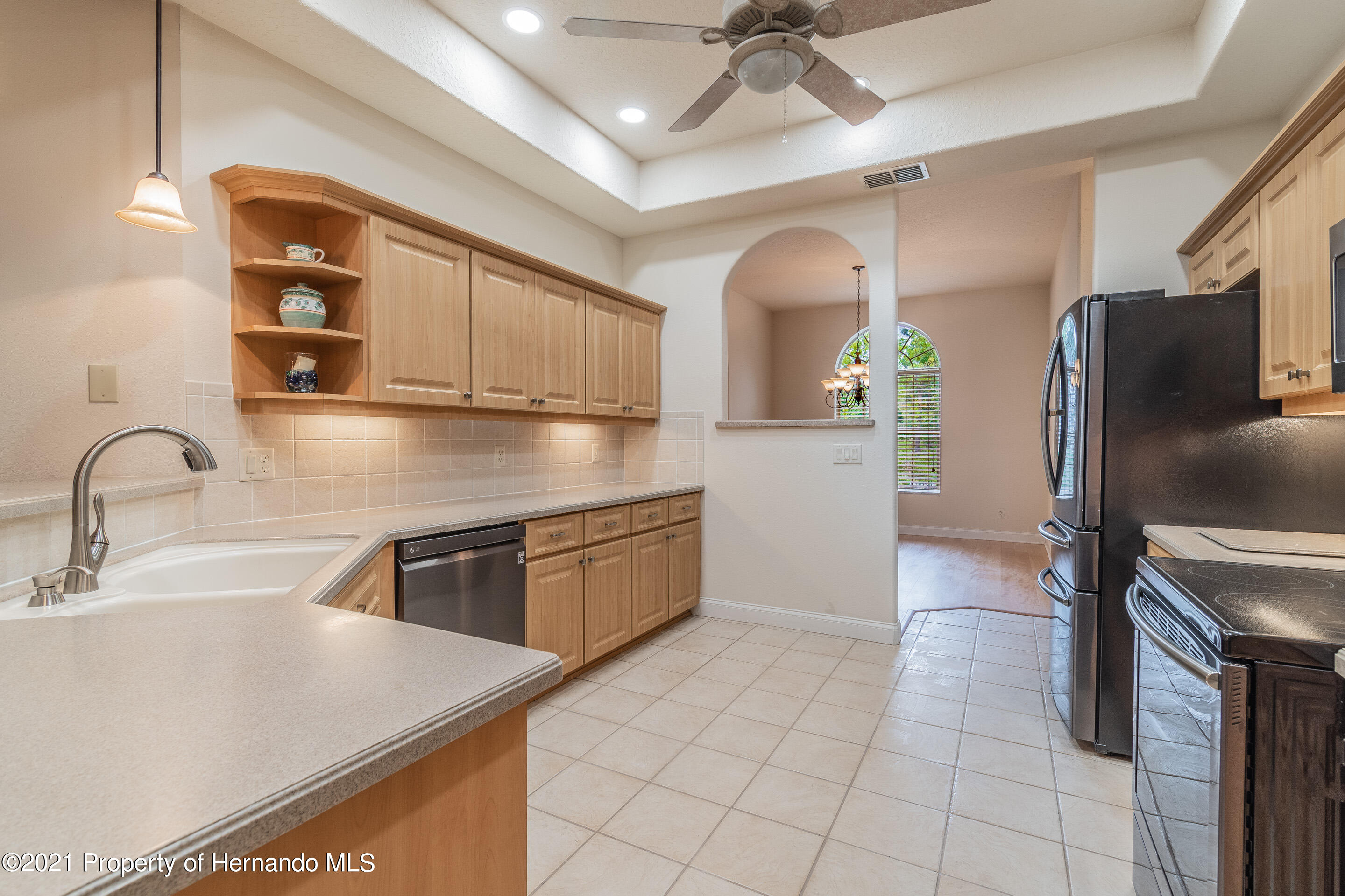Listing photo id 17 for 23 Carnation Court