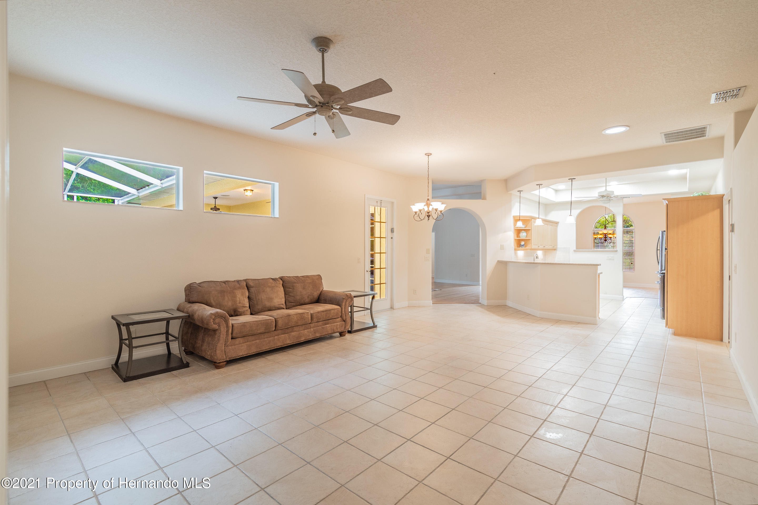 Listing photo id 18 for 23 Carnation Court