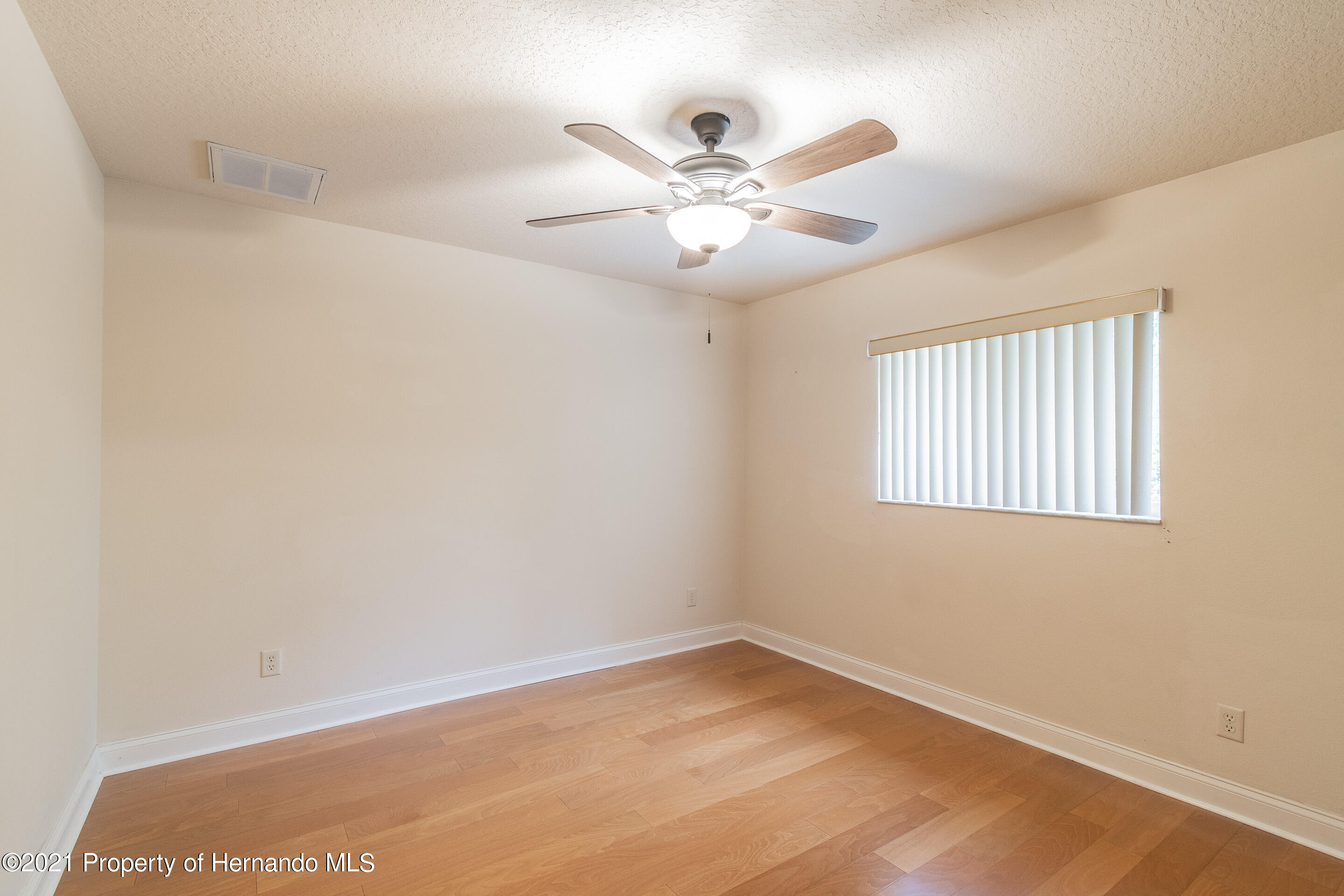 Listing photo id 20 for 23 Carnation Court