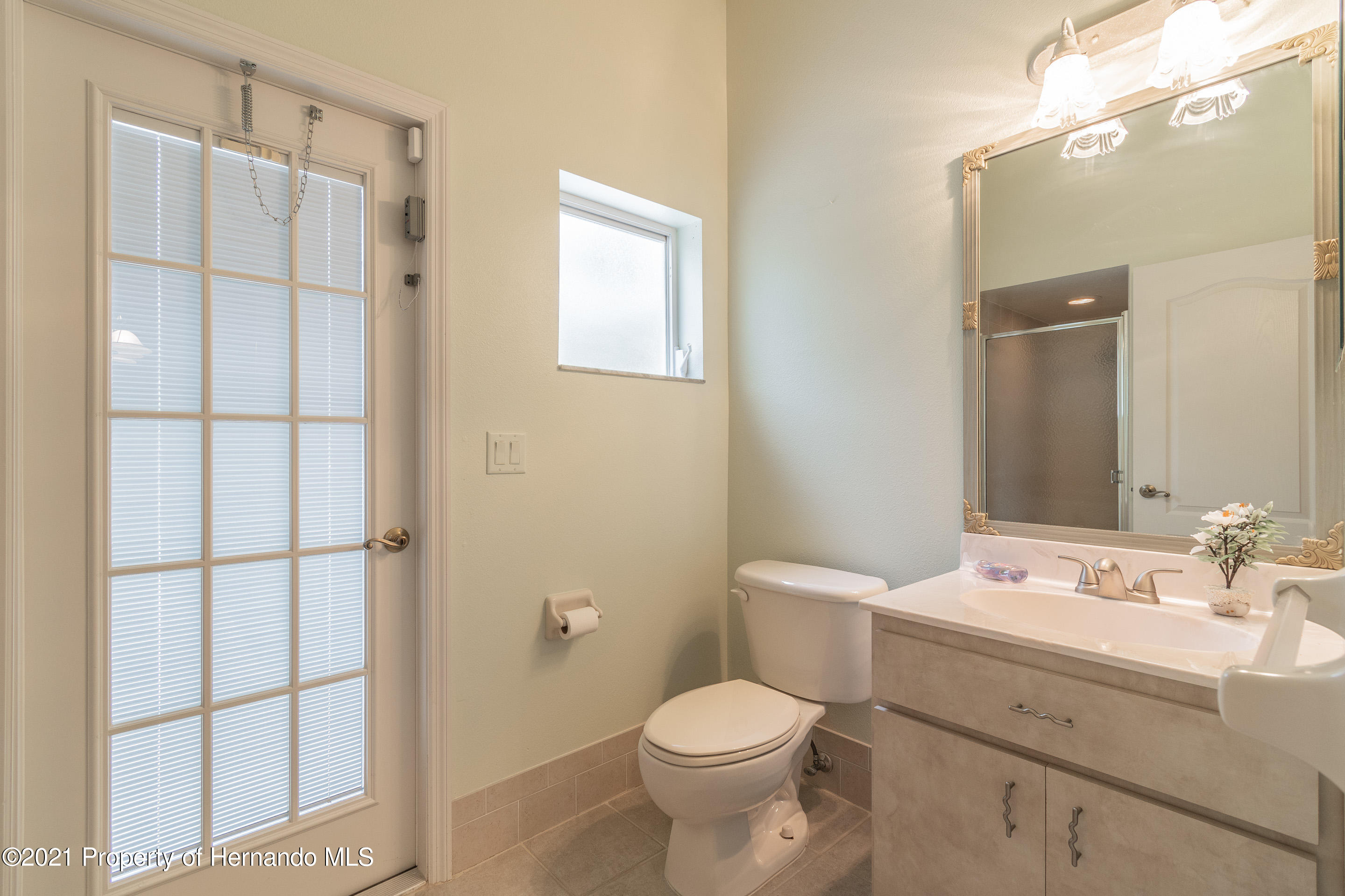 Listing photo id 26 for 23 Carnation Court