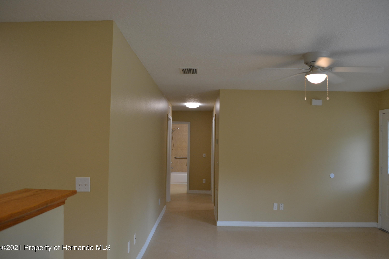 Listing photo id 9 for 3345 Paula Lane