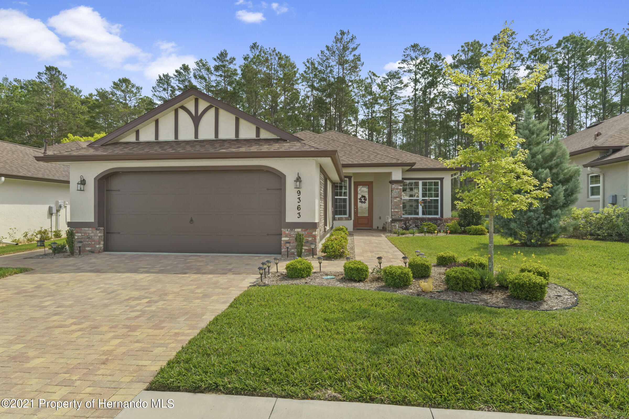 Listing photo id 2 for 9363 S Deer Park Dr Drive