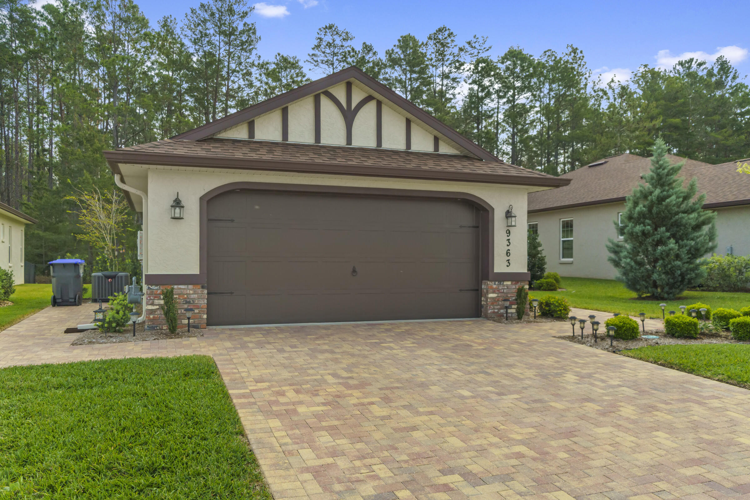 Listing photo id 3 for 9363 S Deer Park Dr Drive