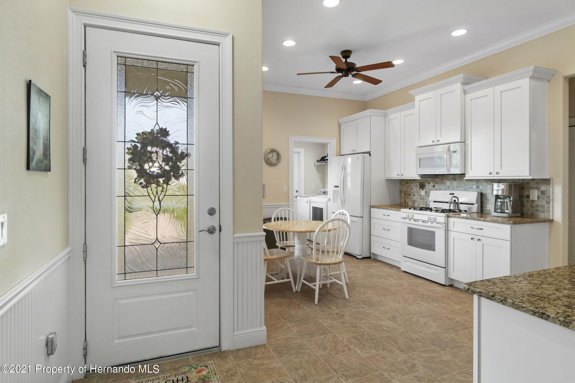 Listing photo id 6 for 9363 S Deer Park Dr Drive