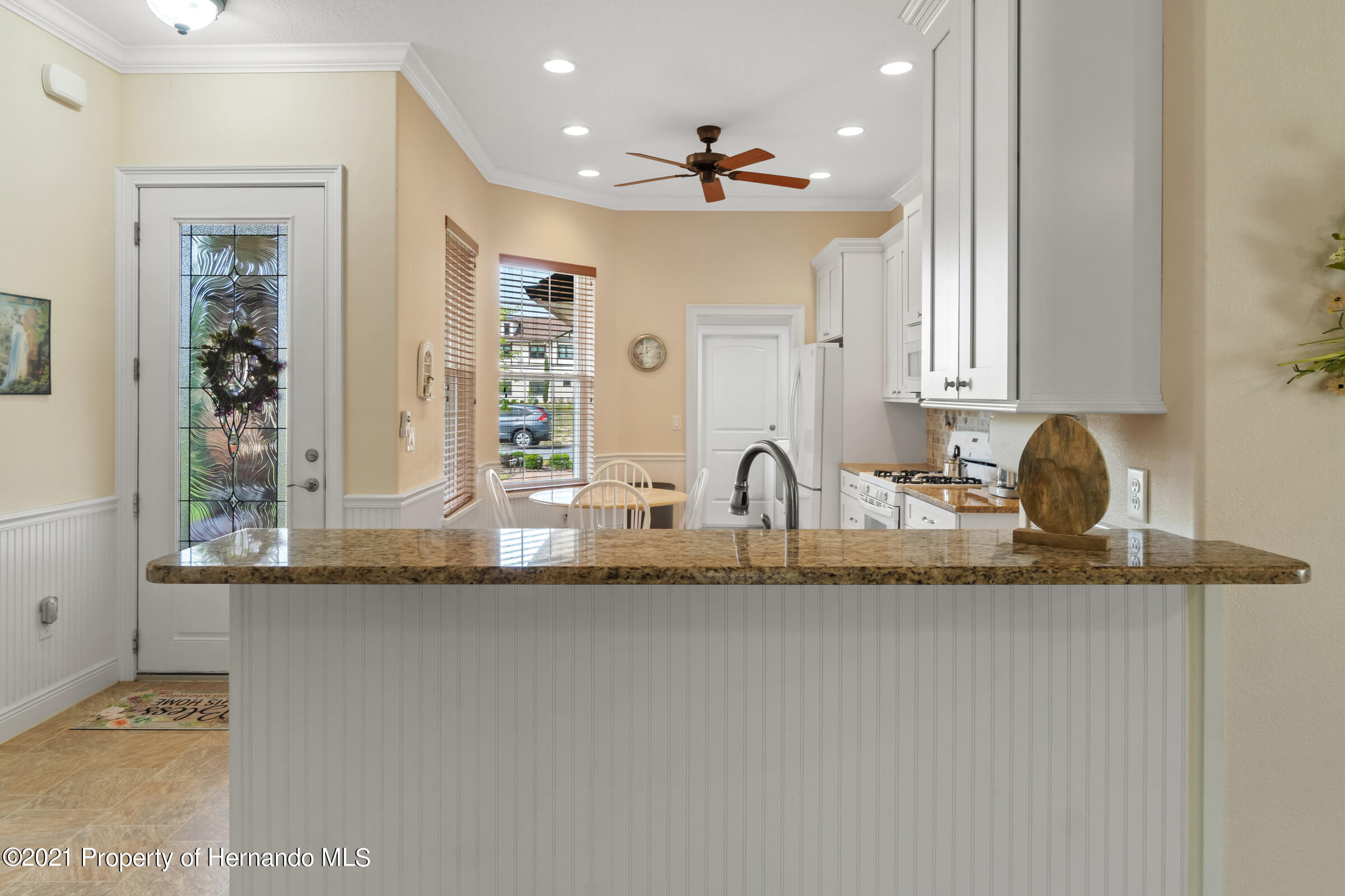Listing photo id 9 for 9363 S Deer Park Dr Drive