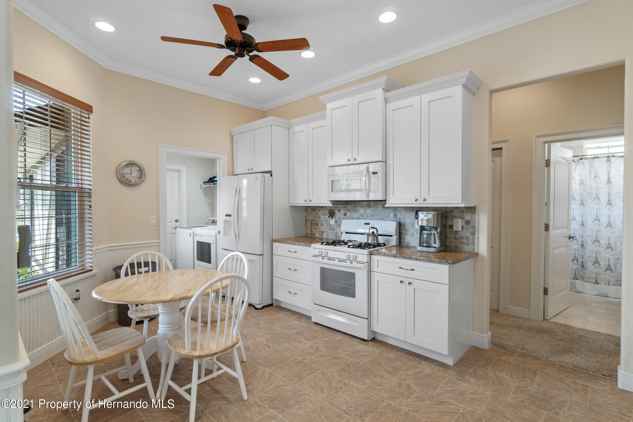 Listing photo id 11 for 9363 S Deer Park Dr Drive