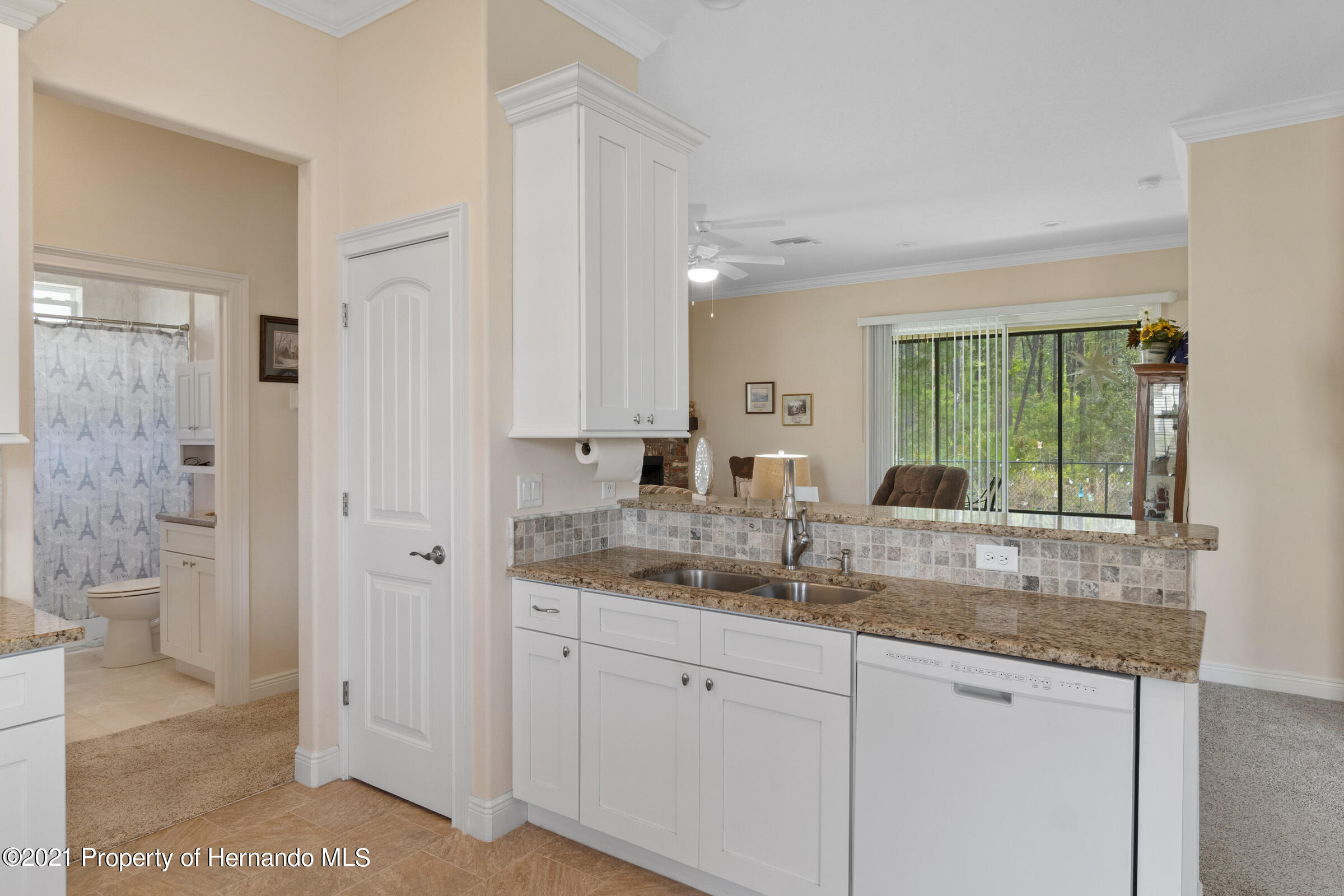 Listing photo id 13 for 9363 S Deer Park Dr Drive