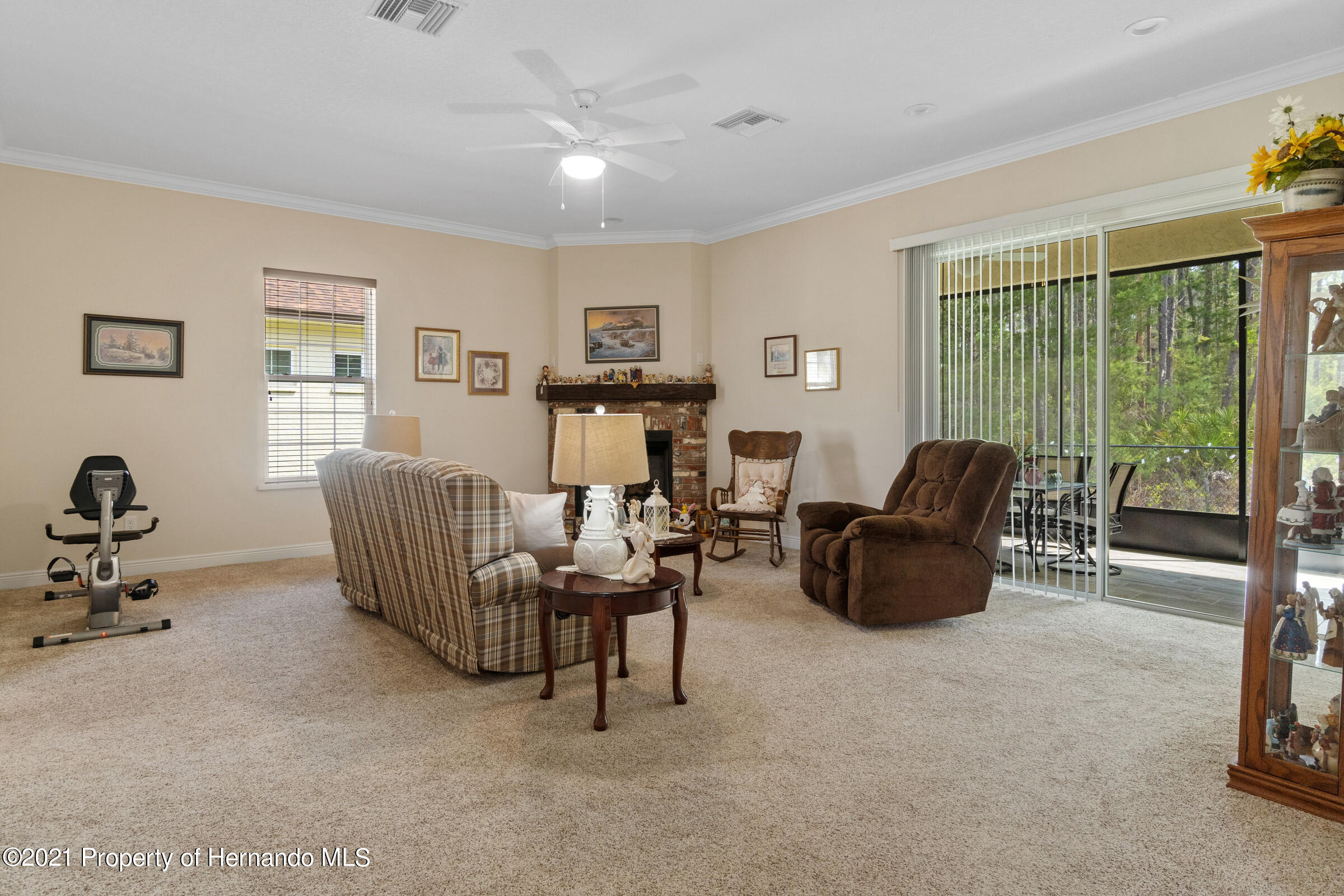 Listing photo id 16 for 9363 S Deer Park Dr Drive