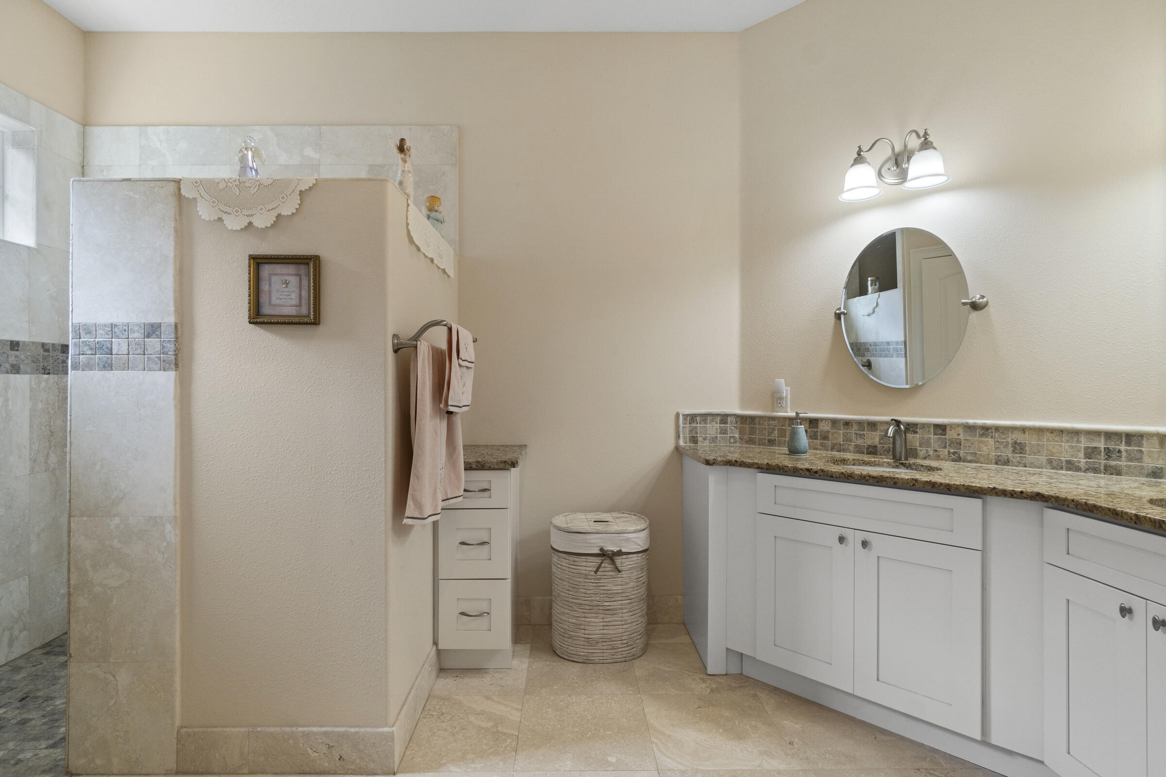 Listing photo id 22 for 9363 S Deer Park Dr Drive
