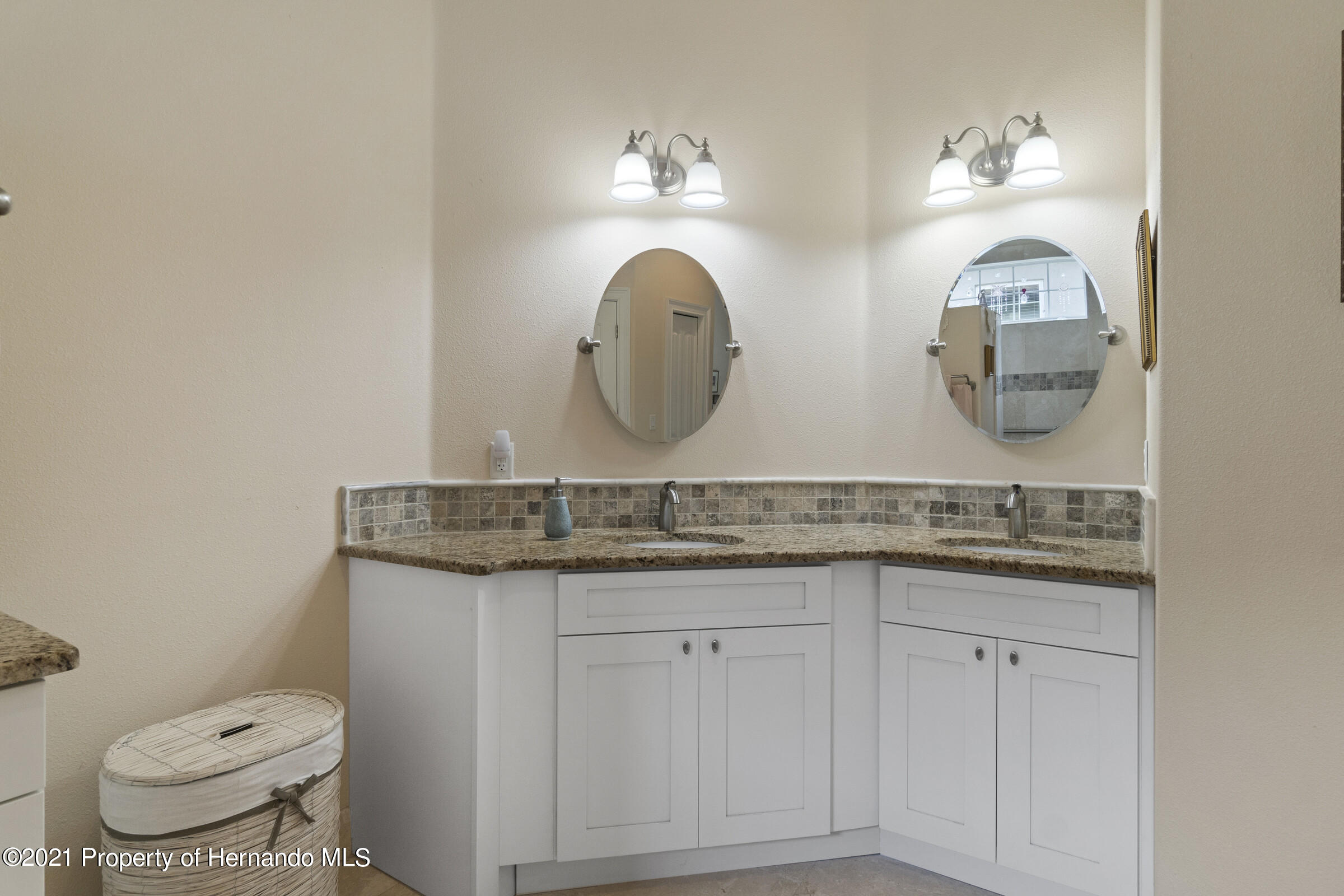 Listing photo id 23 for 9363 S Deer Park Dr Drive
