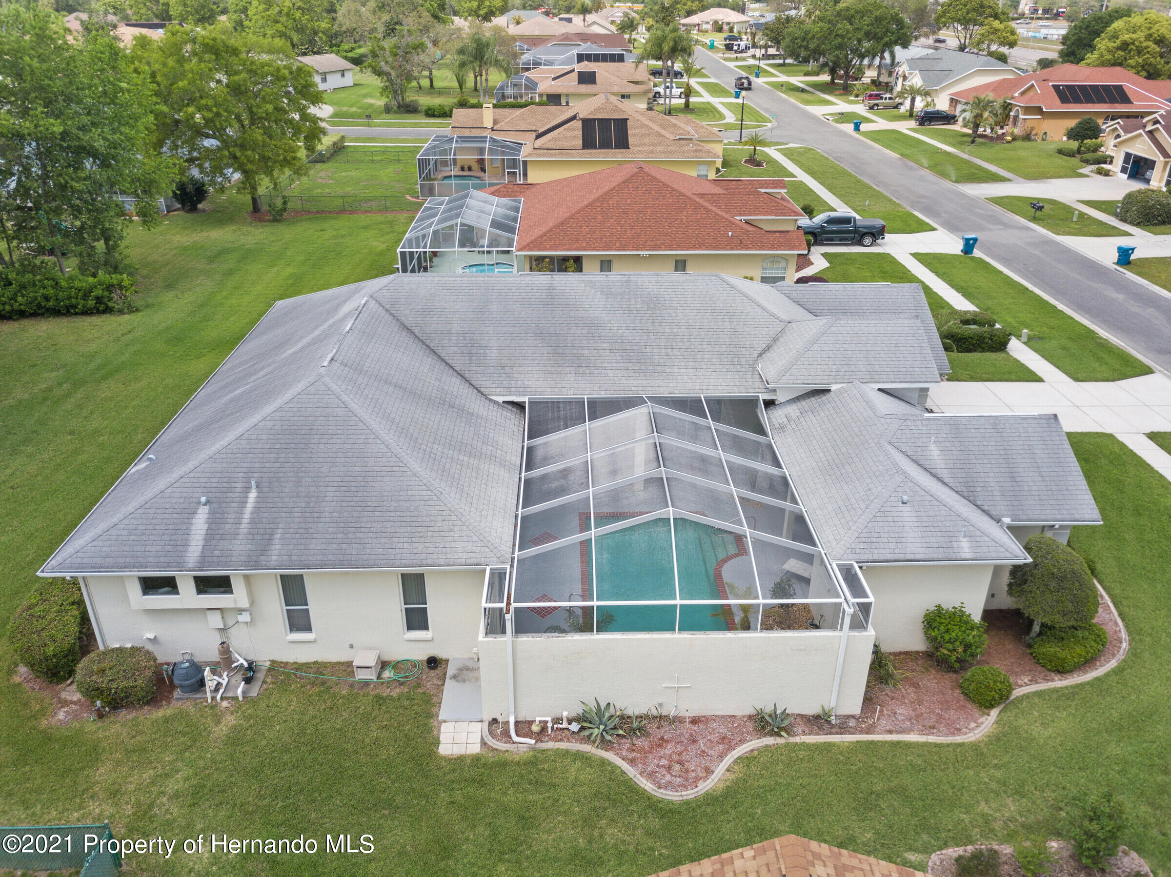 Listing photo id 5 for 4037 Breckland Court