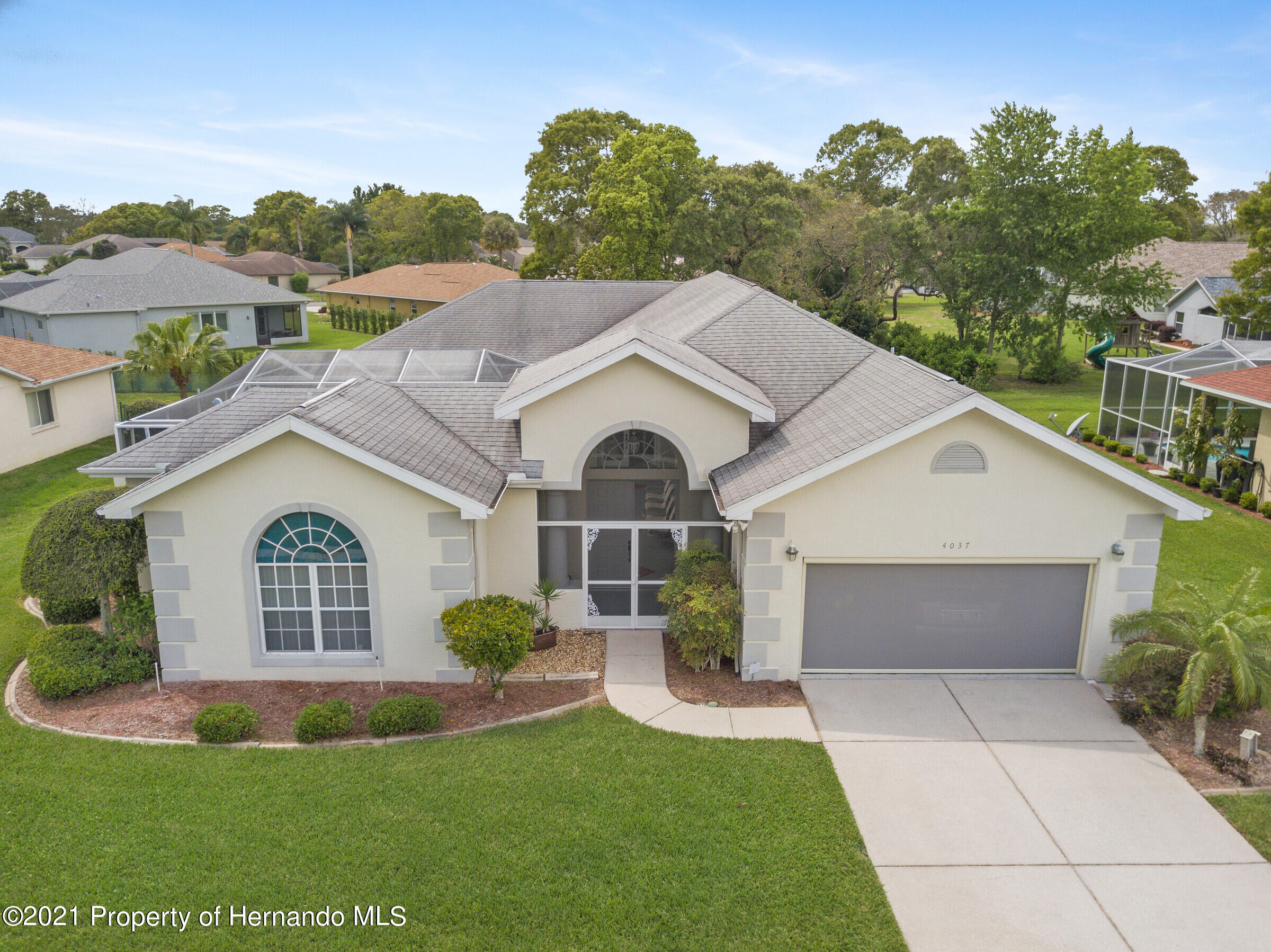 Listing photo id 6 for 4037 Breckland Court
