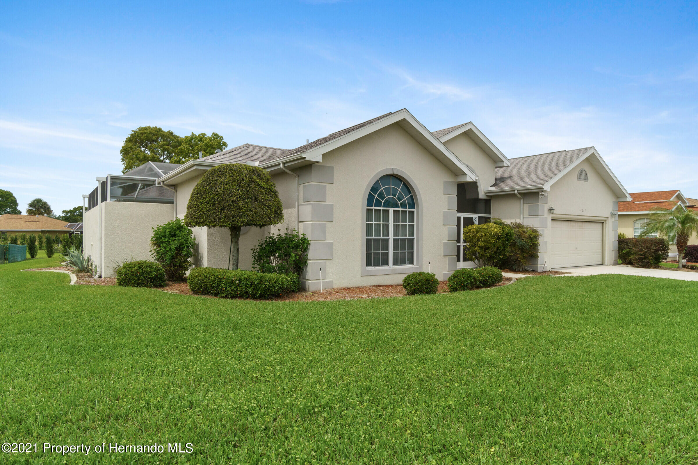 Listing photo id 7 for 4037 Breckland Court