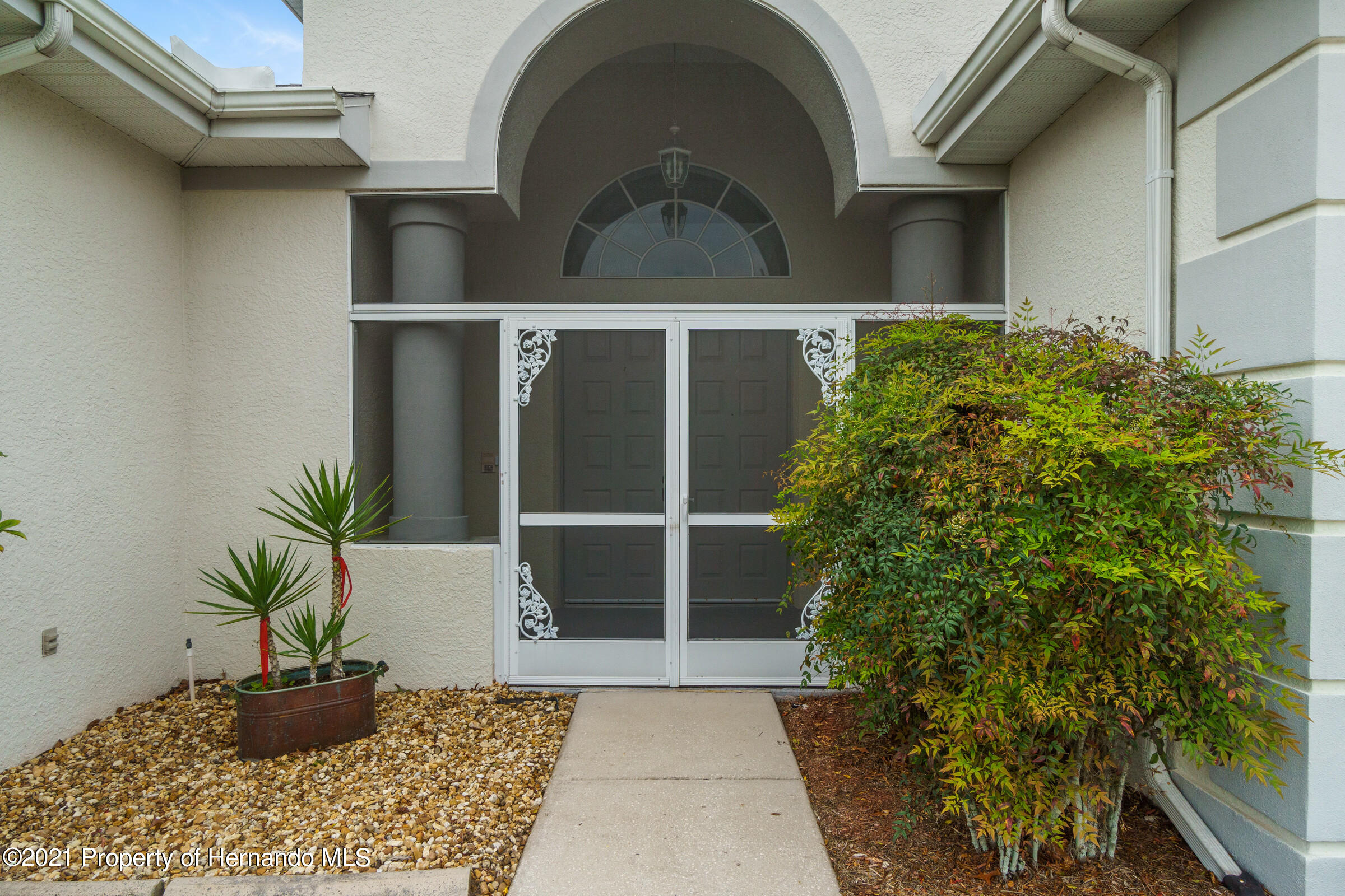 Listing photo id 10 for 4037 Breckland Court