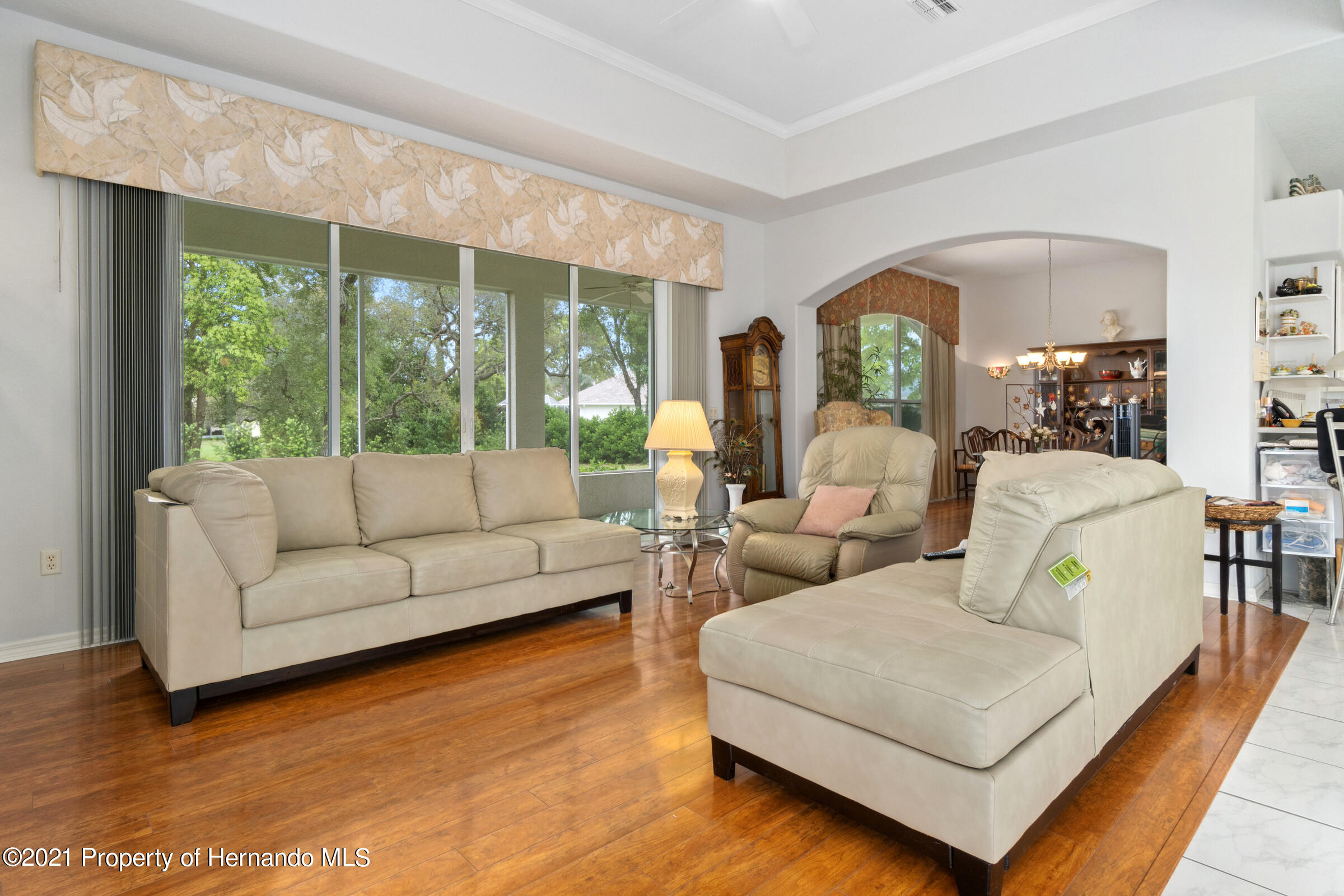 Listing photo id 23 for 4037 Breckland Court