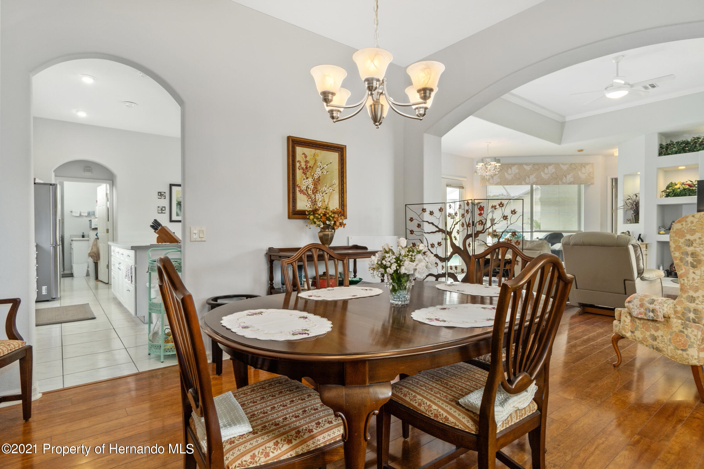 Listing photo id 25 for 4037 Breckland Court