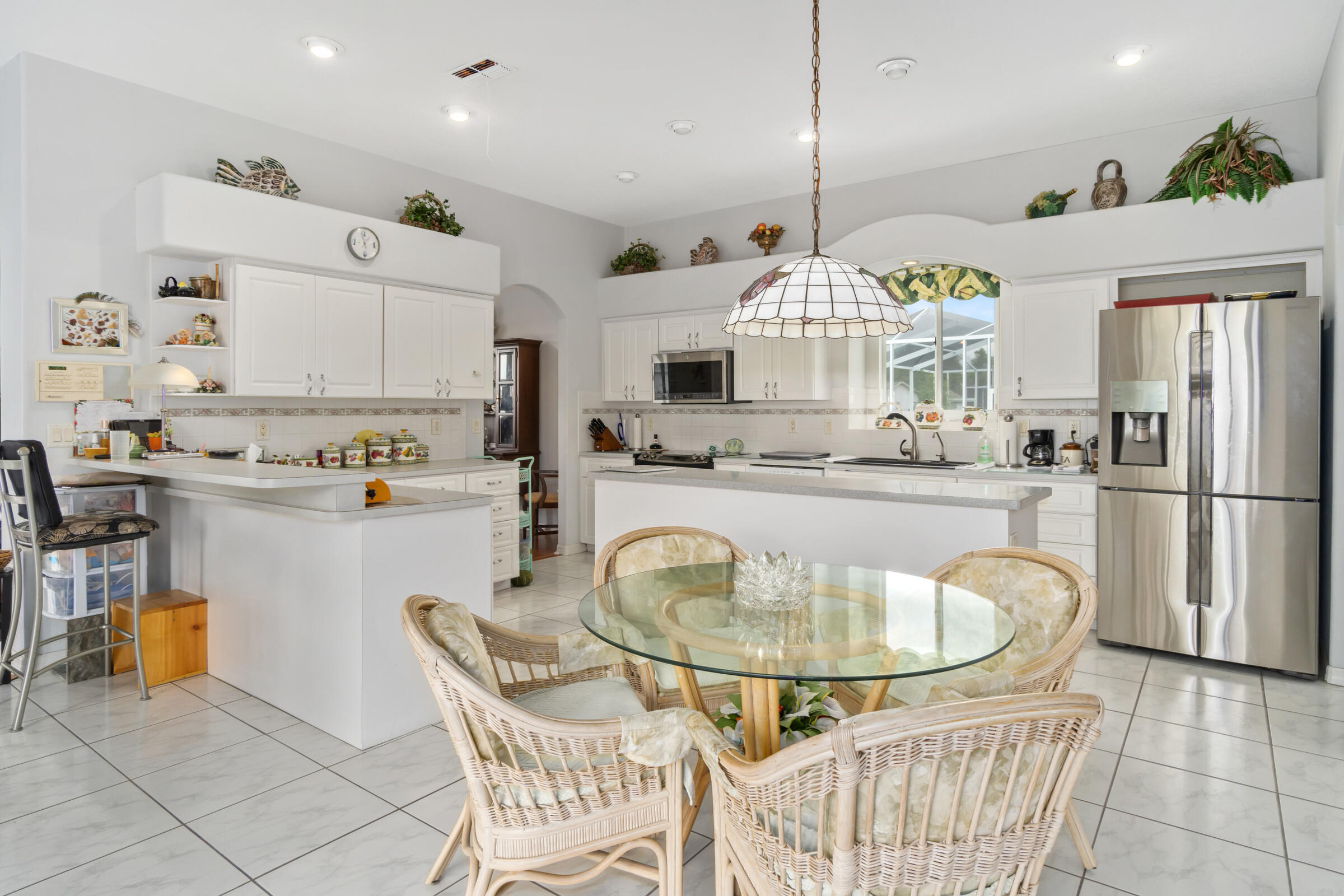 Listing photo id 26 for 4037 Breckland Court