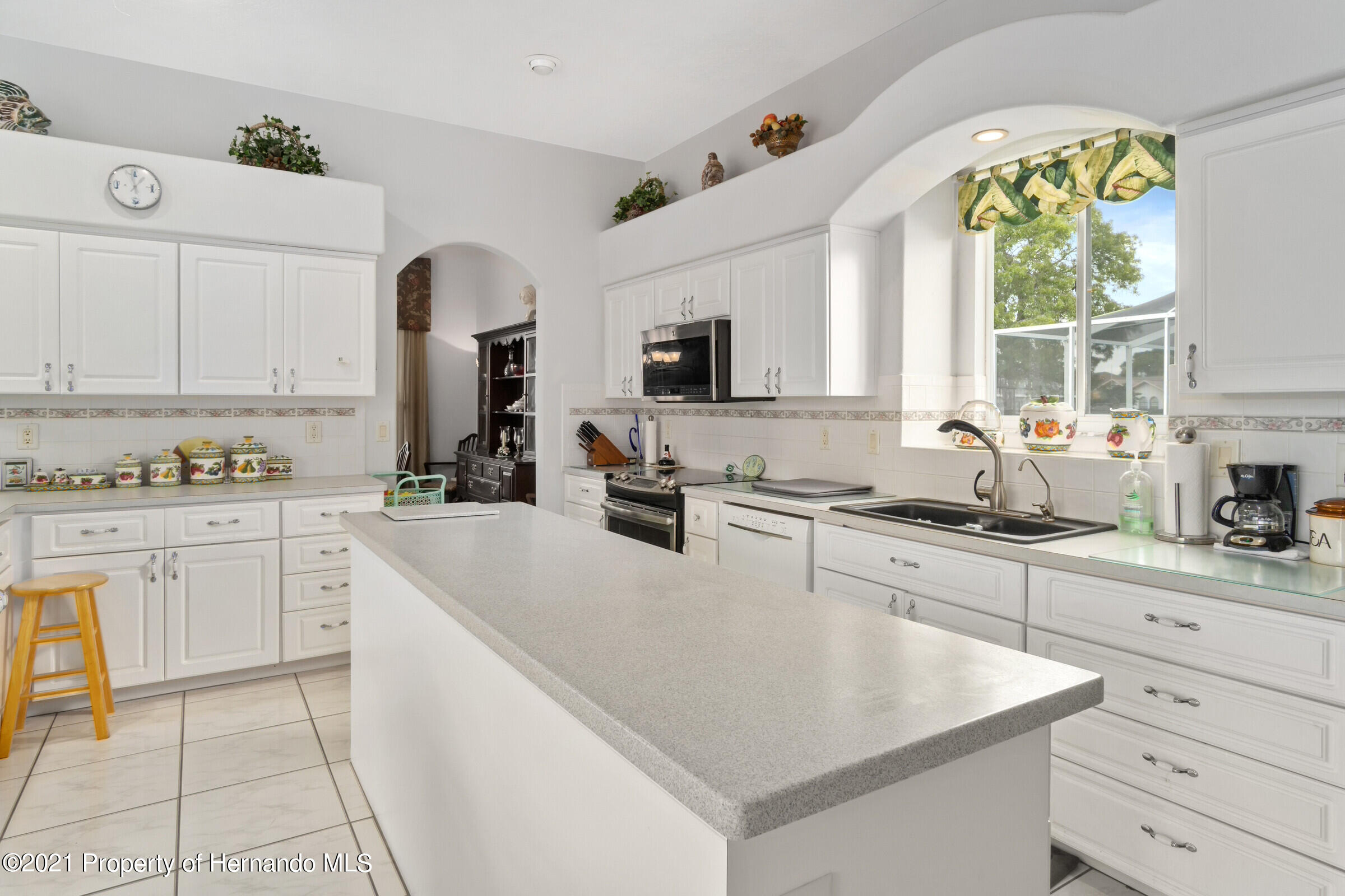 Listing photo id 27 for 4037 Breckland Court