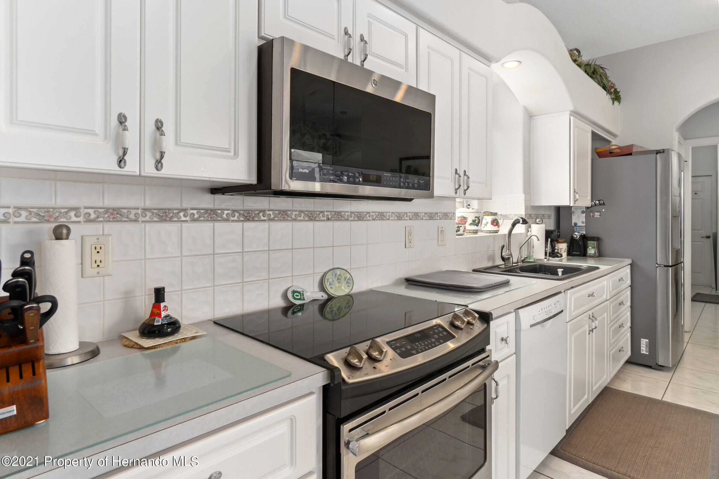 Listing photo id 28 for 4037 Breckland Court