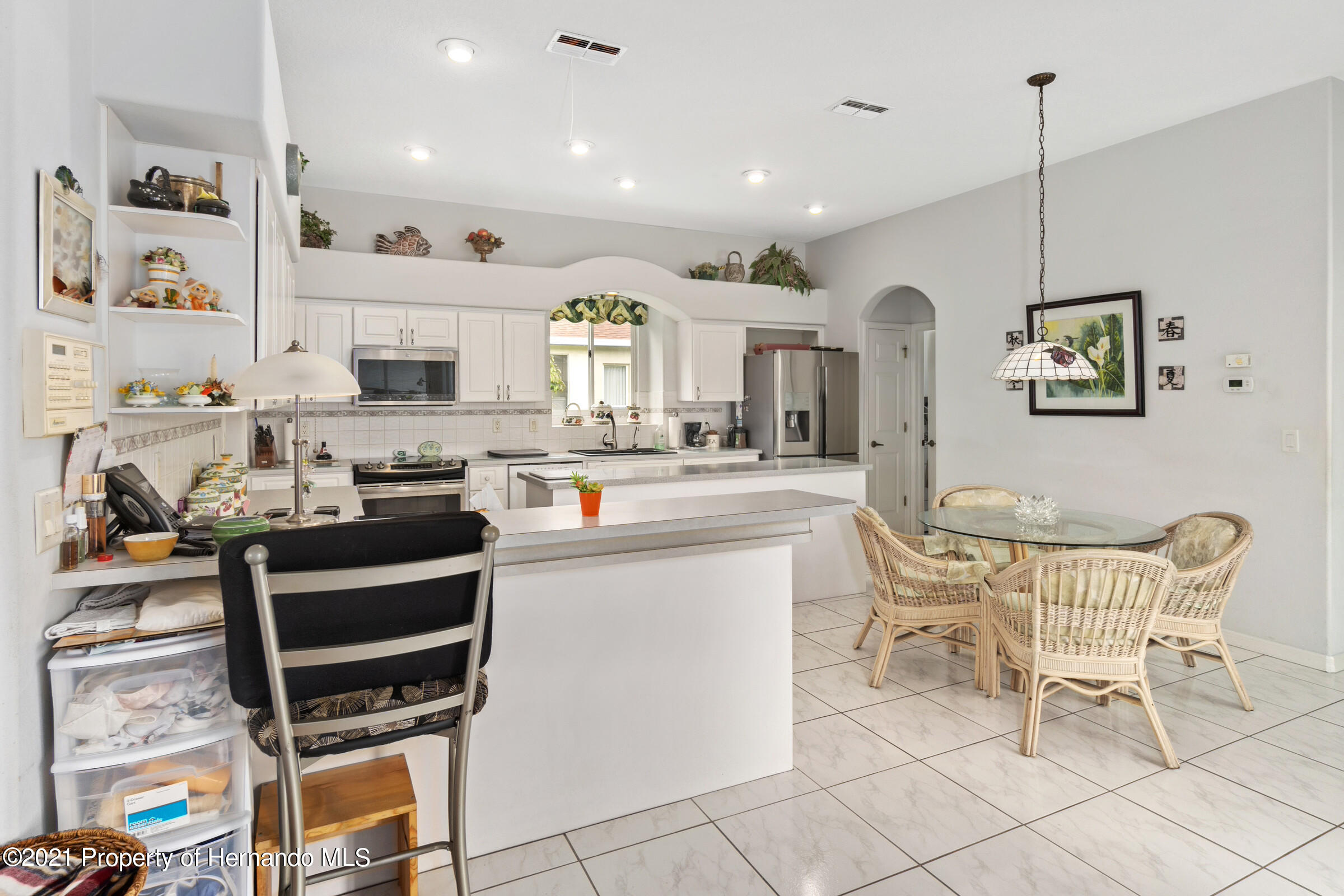 Listing photo id 30 for 4037 Breckland Court